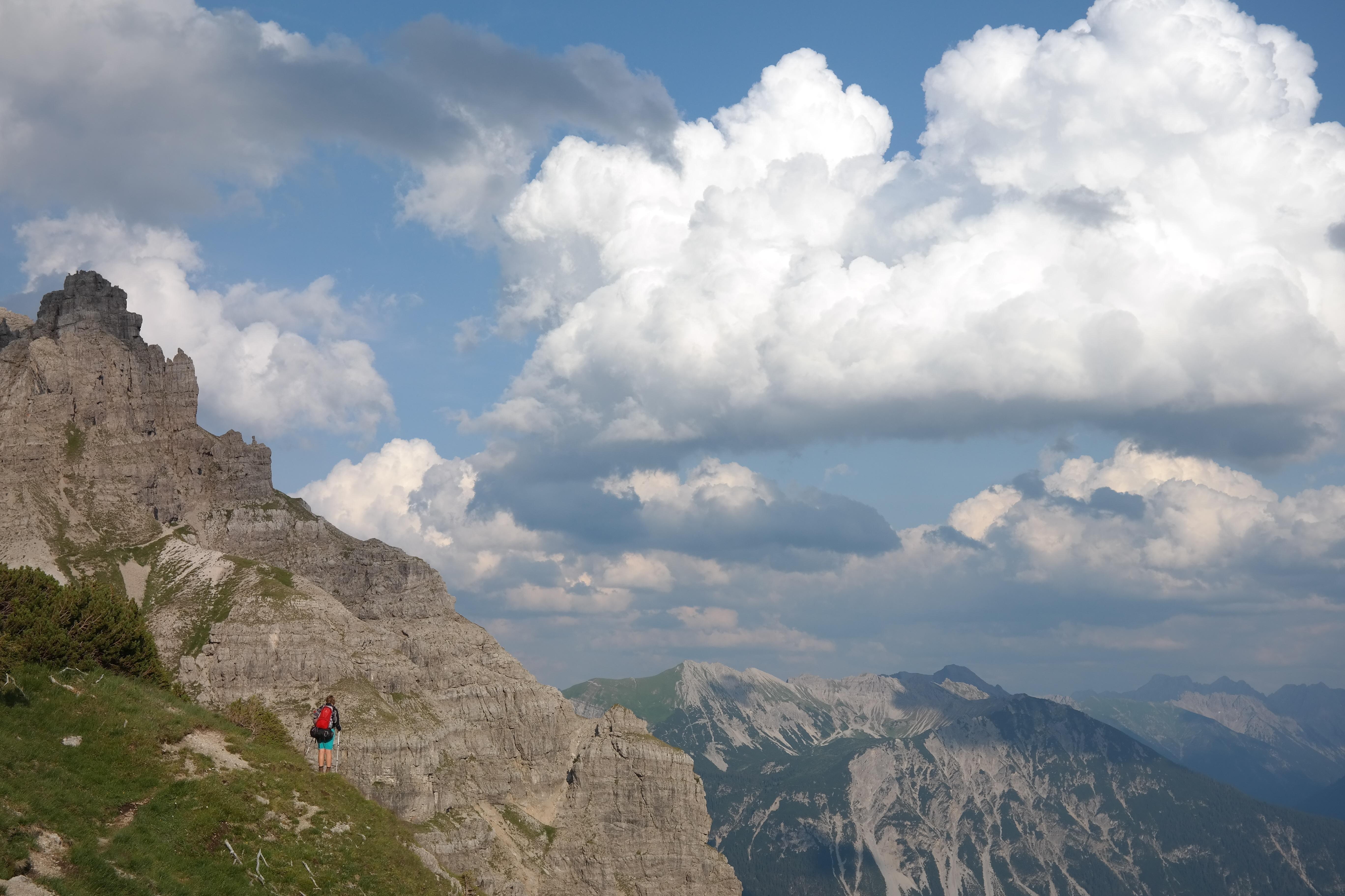 Hình Ảnh : Đá, Đám Mây, Bầu Trời, Đồi Núi, Dãy Núi, Đi Lang Thang, Cây Rơm,  Đám Mây, Alps, Cao Nguyên, Bầu Trời Mờ, Hình Thái Đất, ...