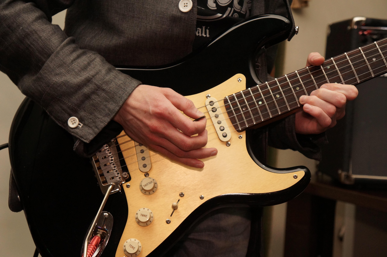 Картинки: камень, музыка, игра, акустическая гитара, гранж.