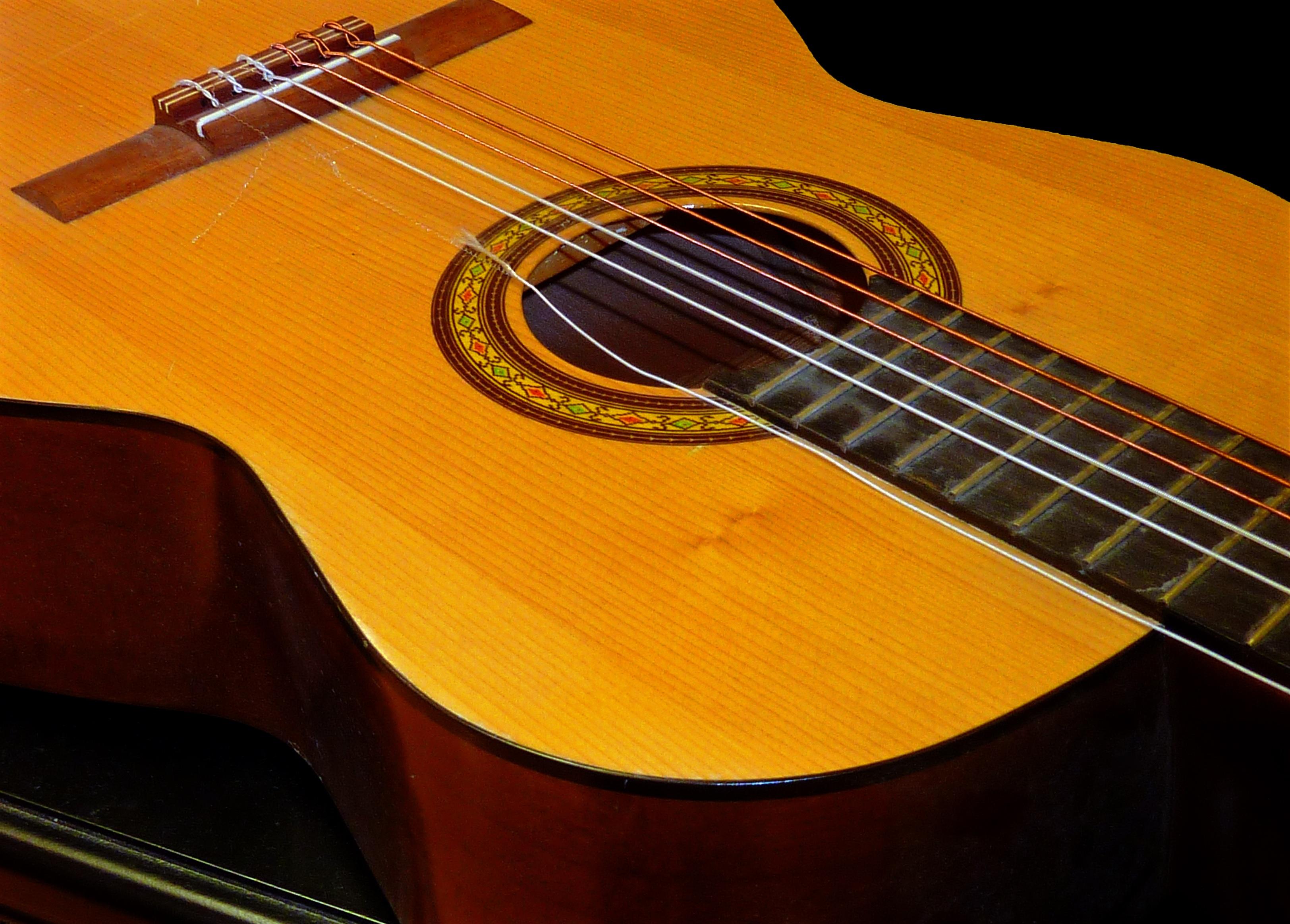 apprendre guitare jazz gratuit