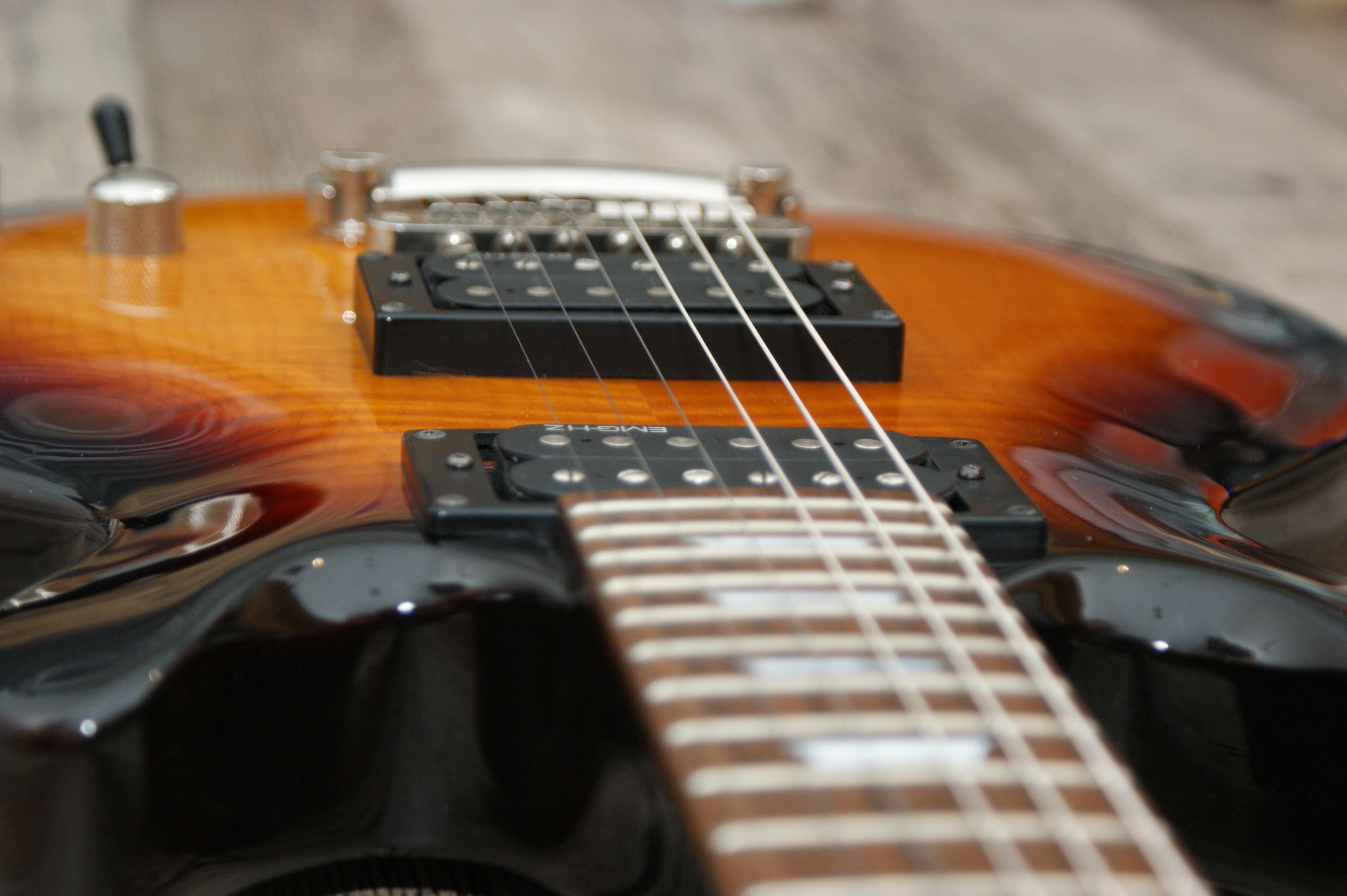 Pick Gitar Bass - Resistex Posed