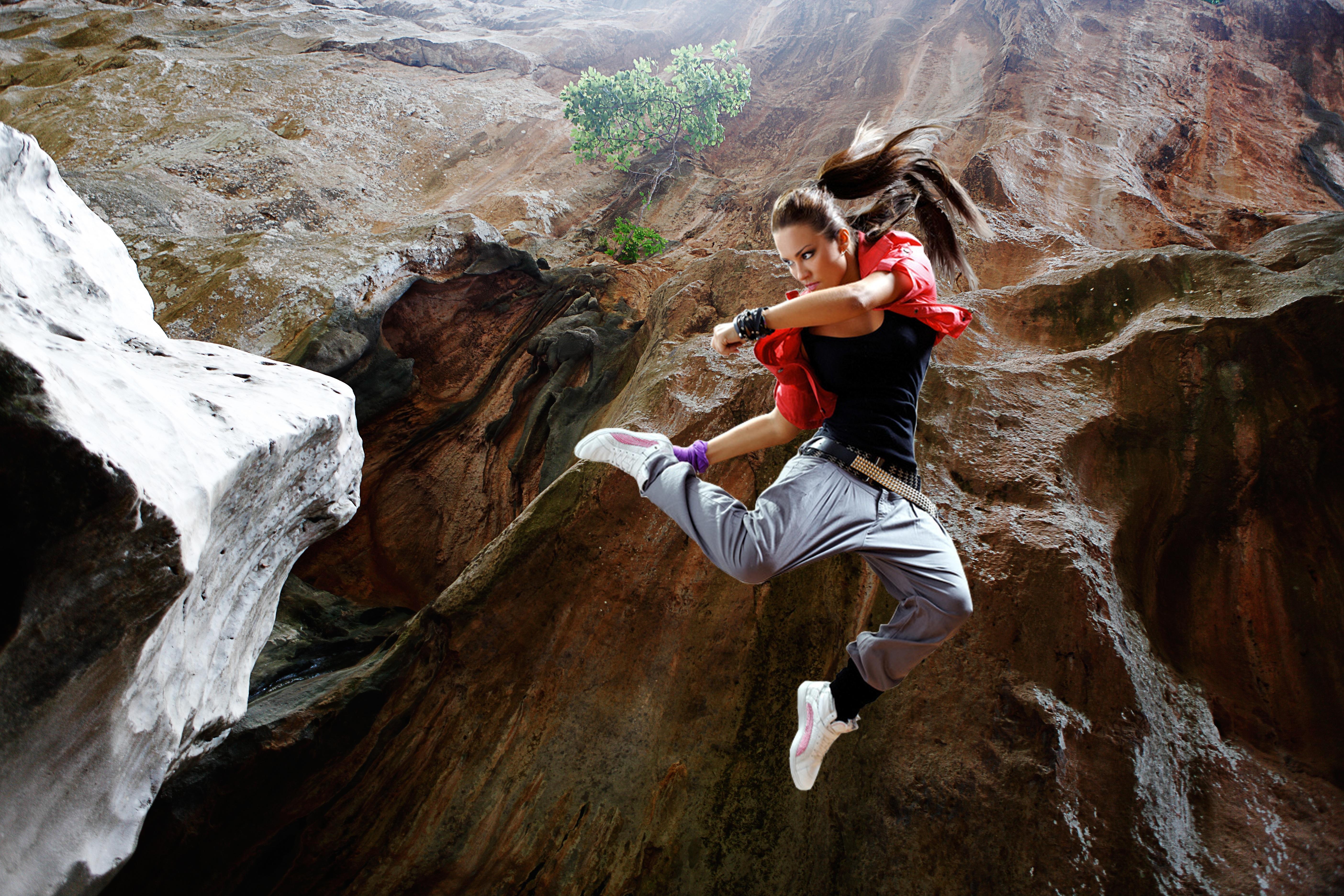 Escalada Saltando Saltar Mujer Rock Roca Alpinismo Aventuras Piedra Garganta Deporte Acantilado Fotos De Zapatilla Niña Persona Gratis H0wwZ8q