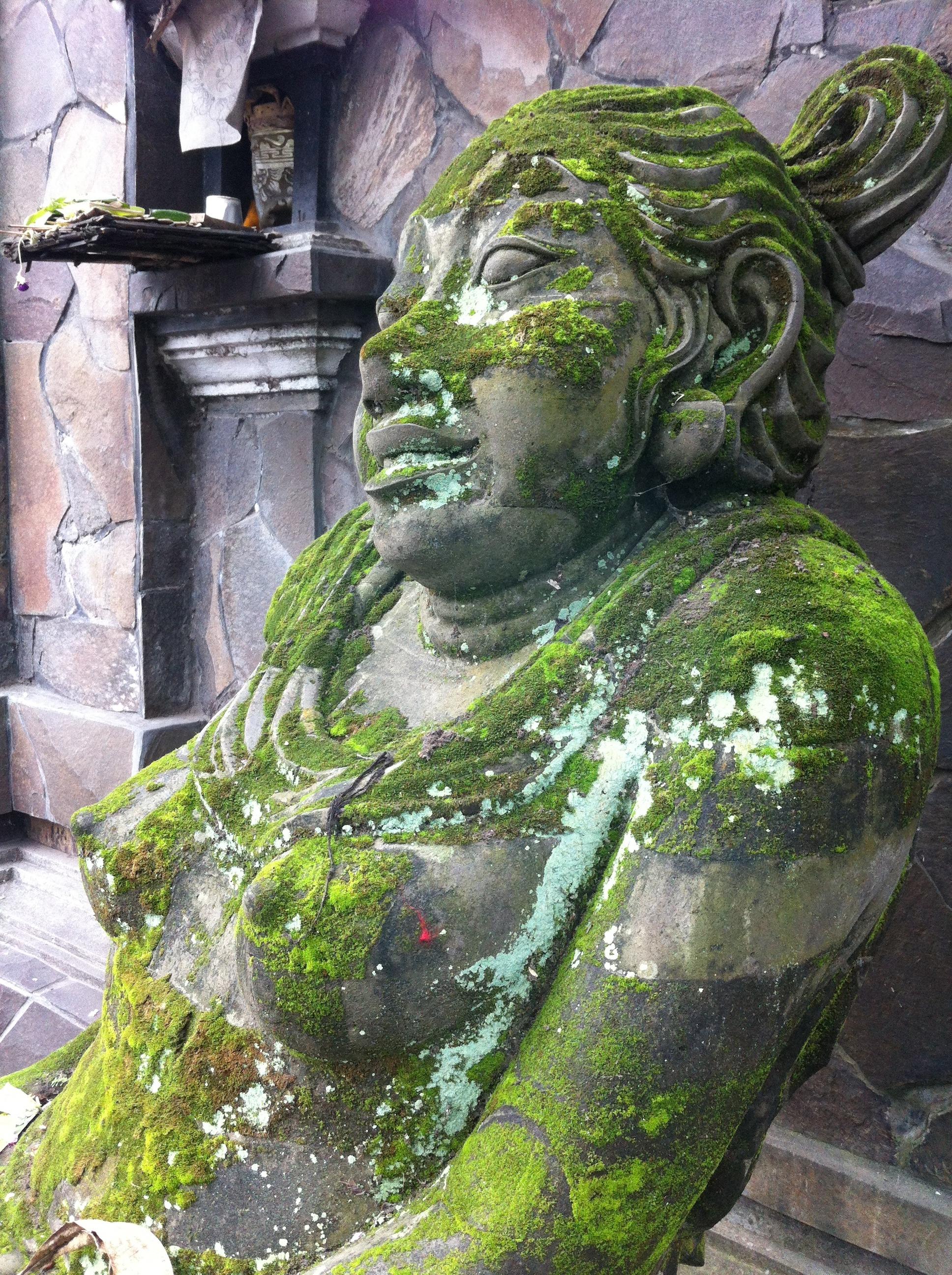 rock piedra monumento estatua verde jardn escultura art templo fuente tallado fuente de agua bali figura