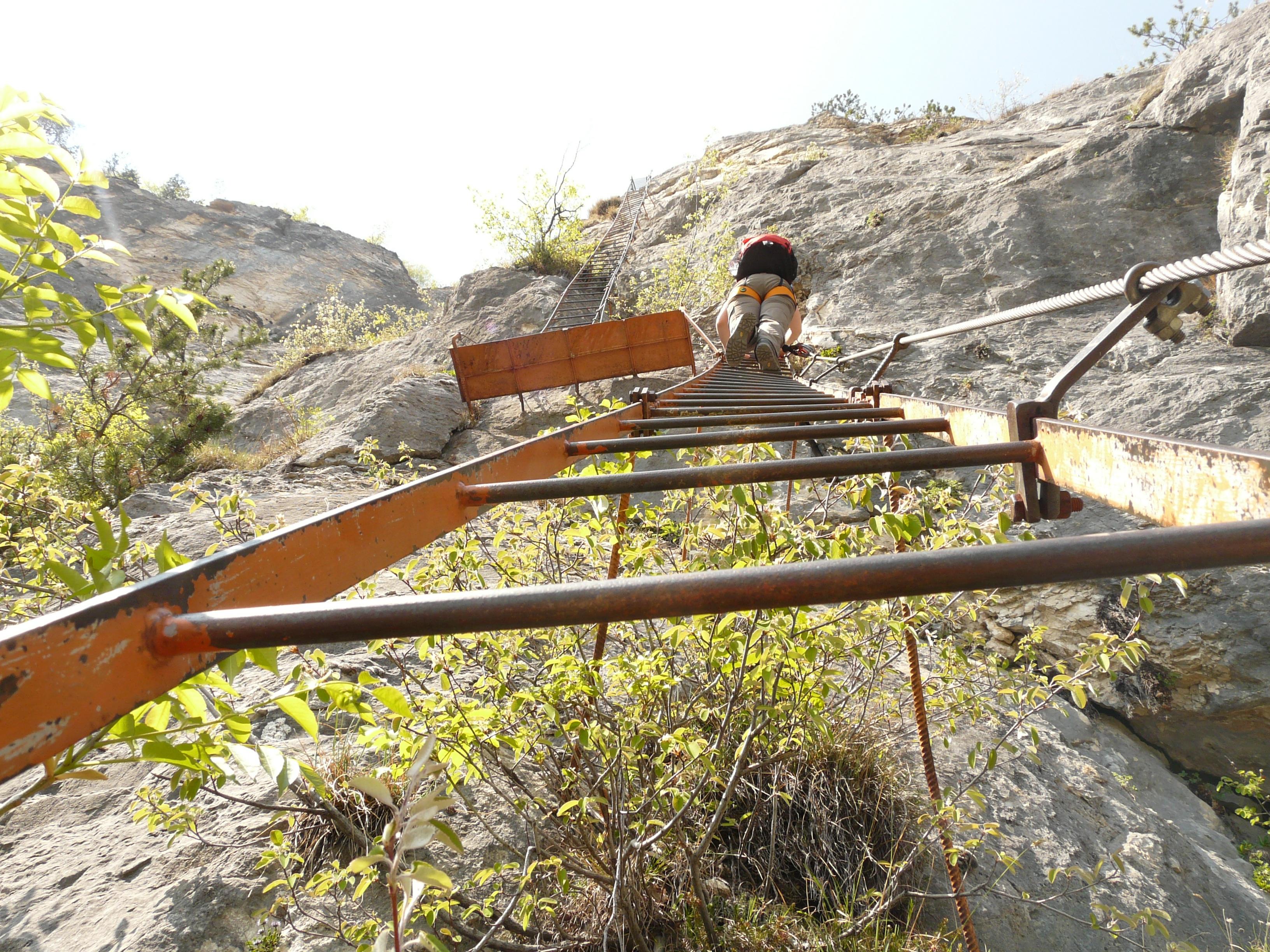 Klettergurt Alpin : Kostenlose foto : rock spur wandern eng fahrzeug wanderung