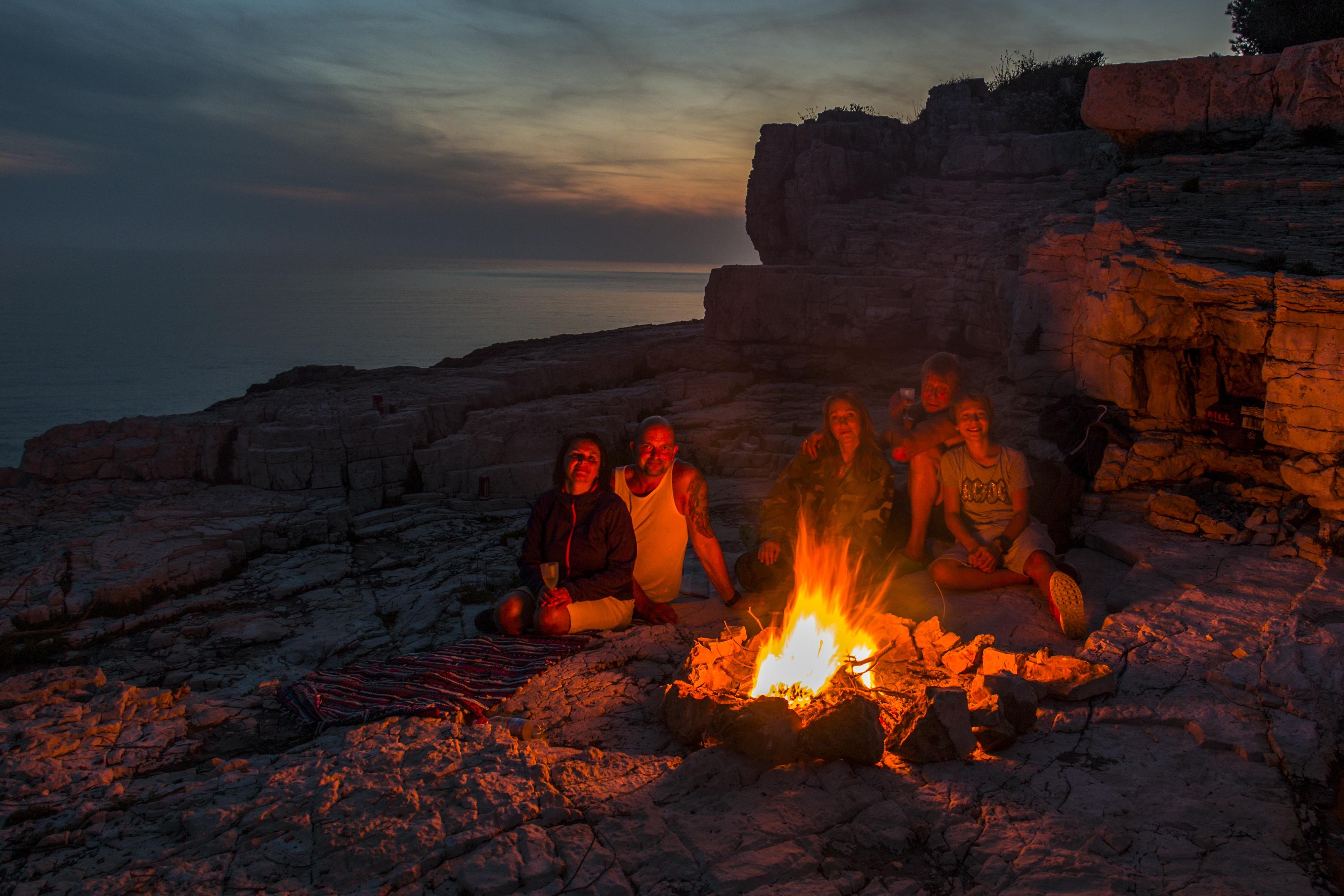 Gratis Afbeeldingen : rots, hout, avontuur, vorming, avond, vlam ...