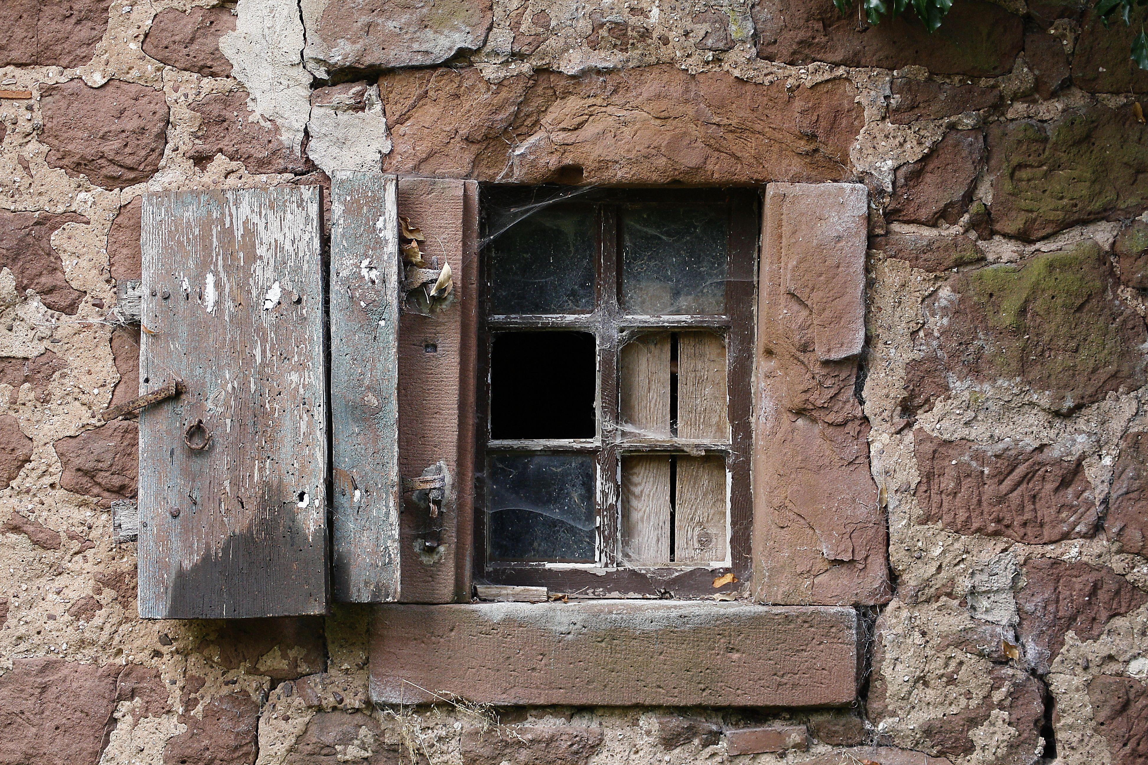 Images gratuites roche bois ferme maison fen tre for Histoire de la fenetre