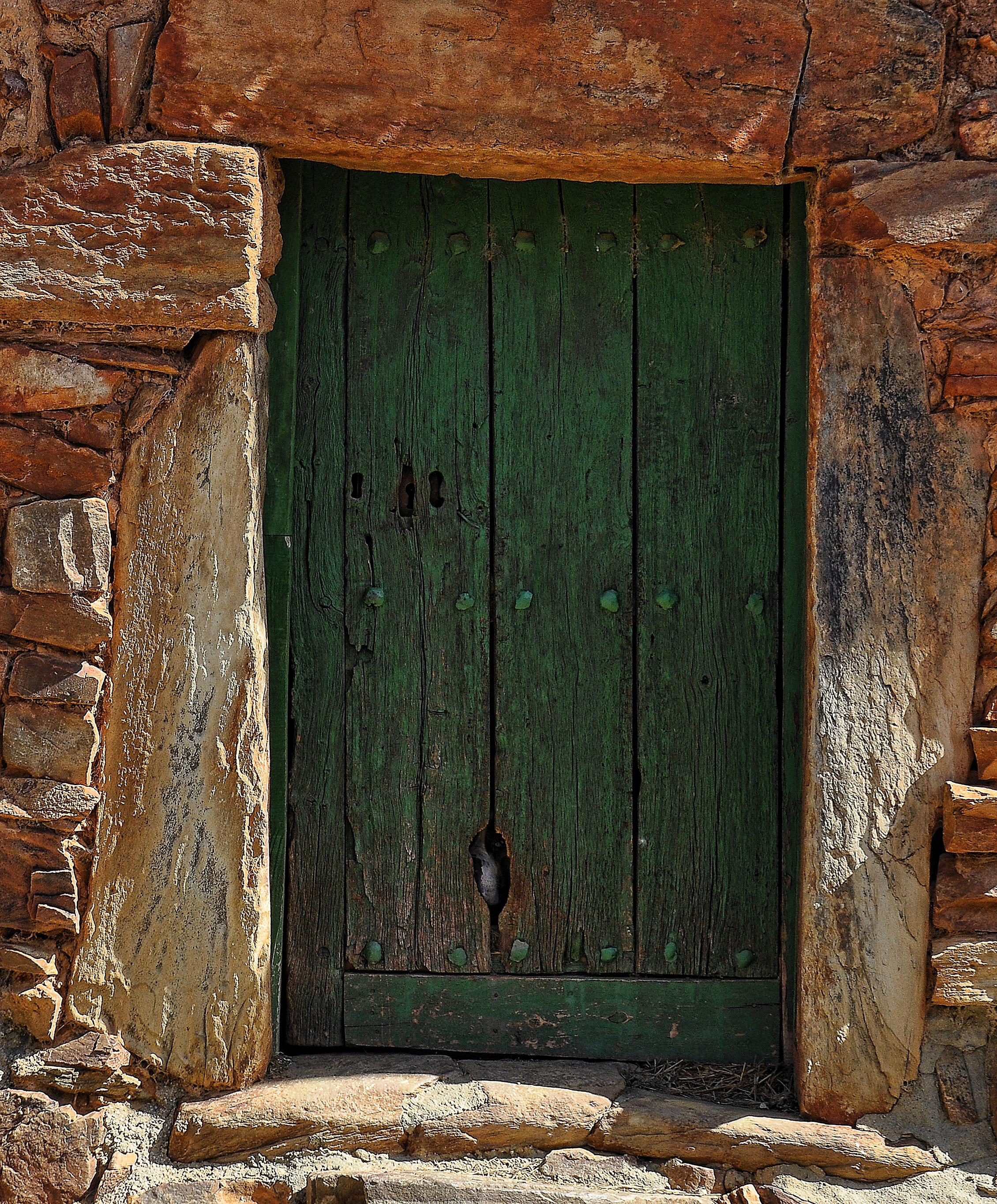 древние двери картинки начала следует сказать
