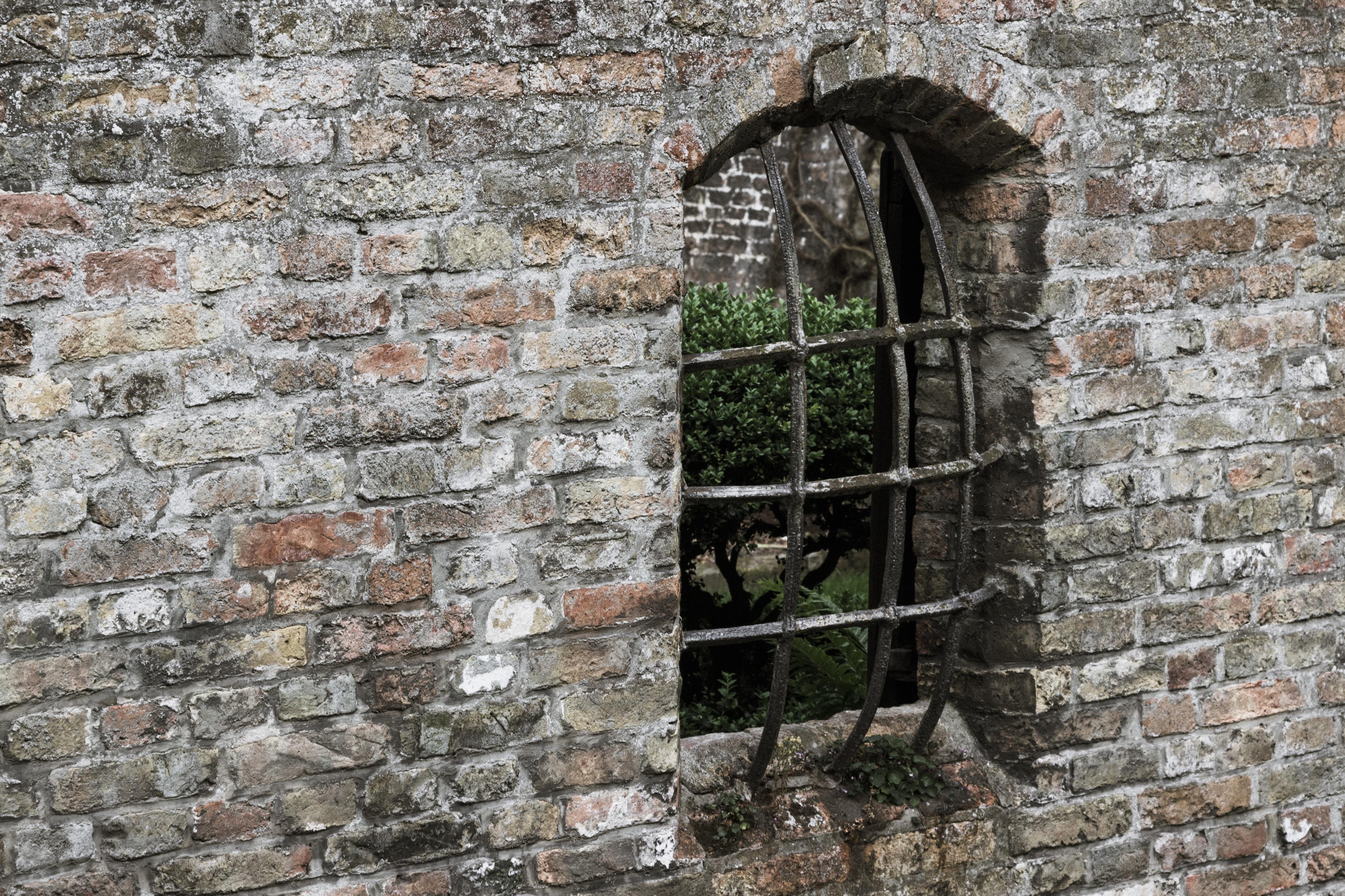 фото старинных каменных стен так