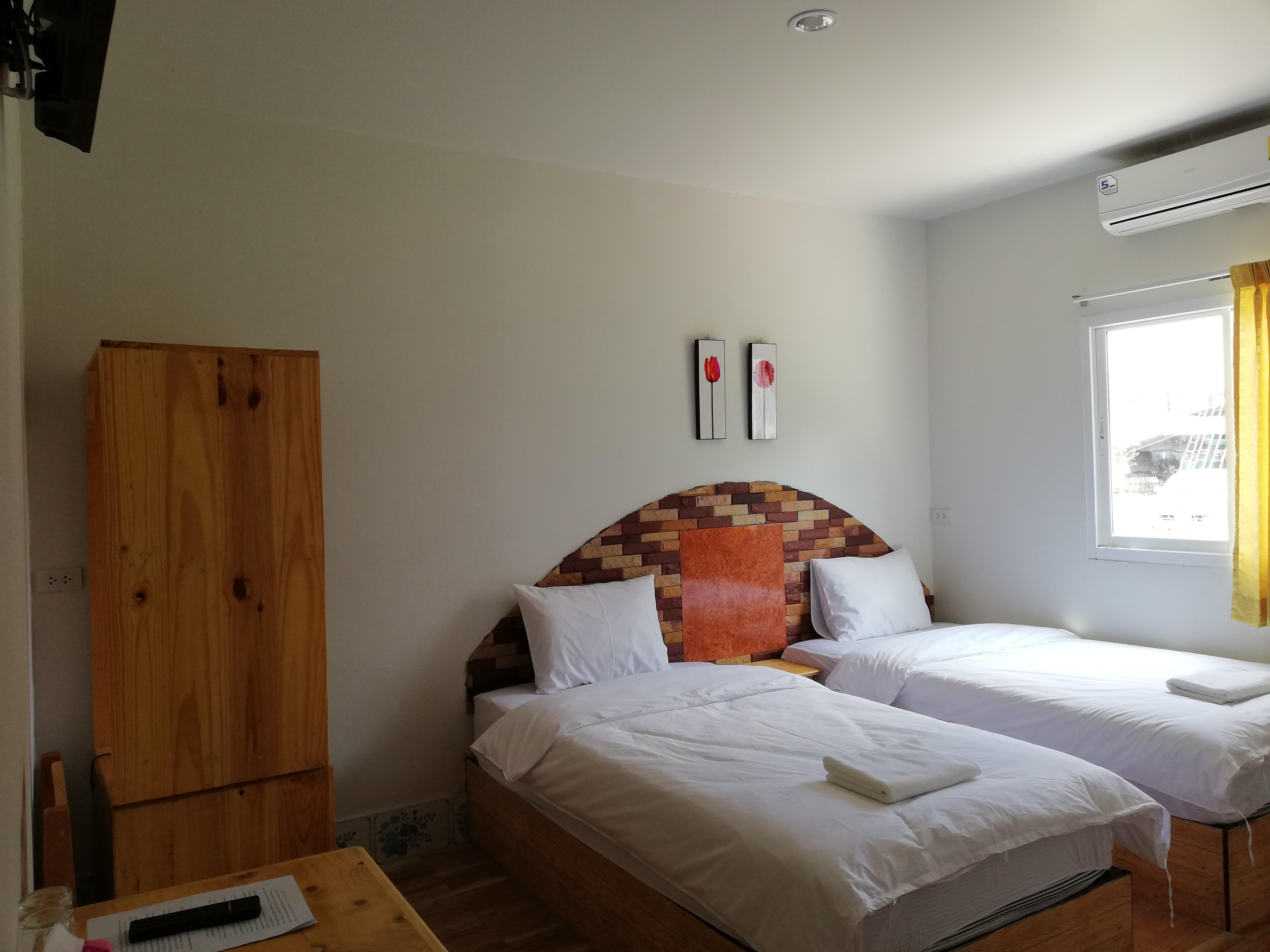 Fotos gratis : habitación, Cuarto, propiedad, pared, marco de la ...