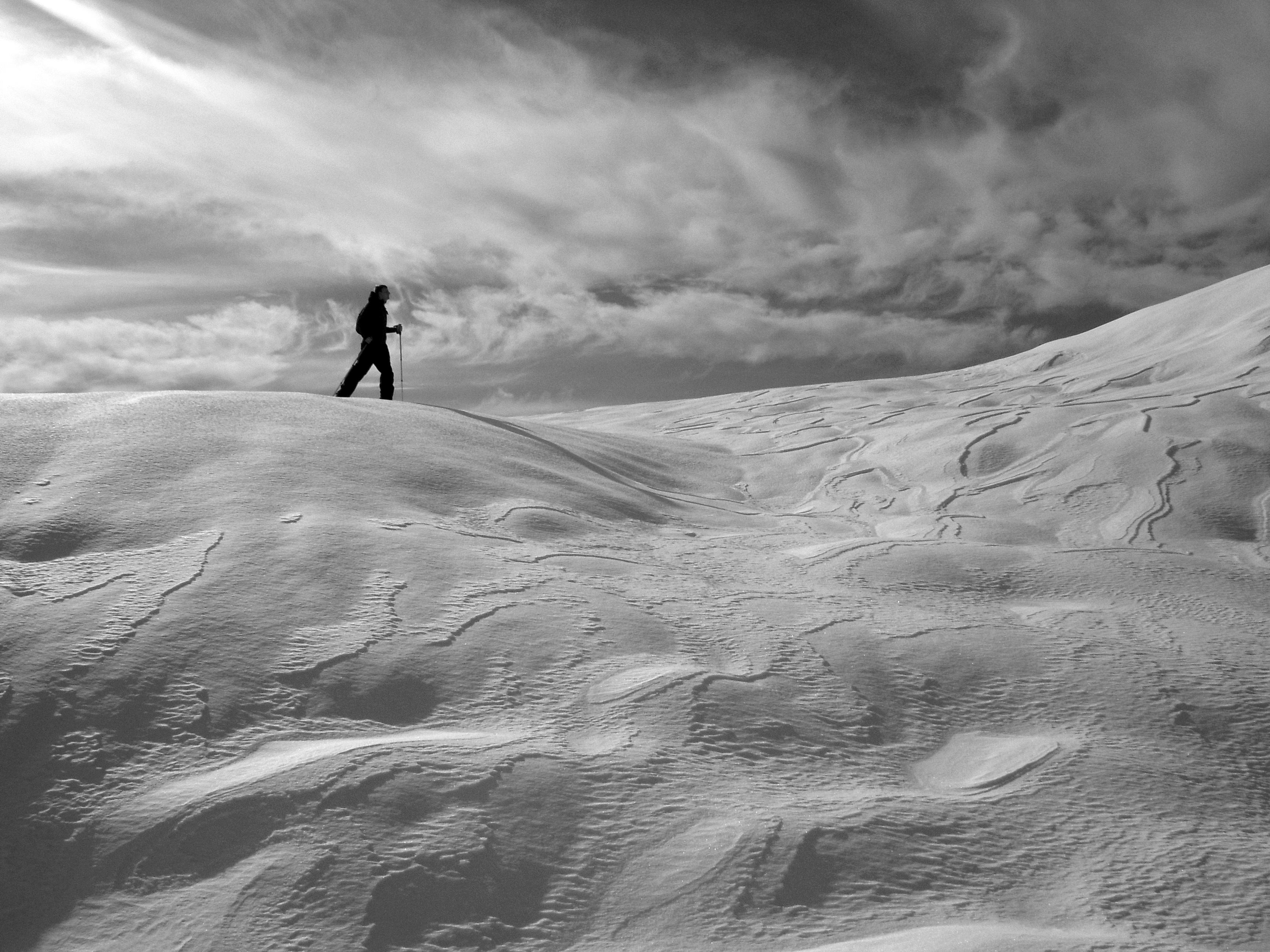 images gratuites le sable montagne neige hiver nuage noir et blanc la photographie. Black Bedroom Furniture Sets. Home Design Ideas