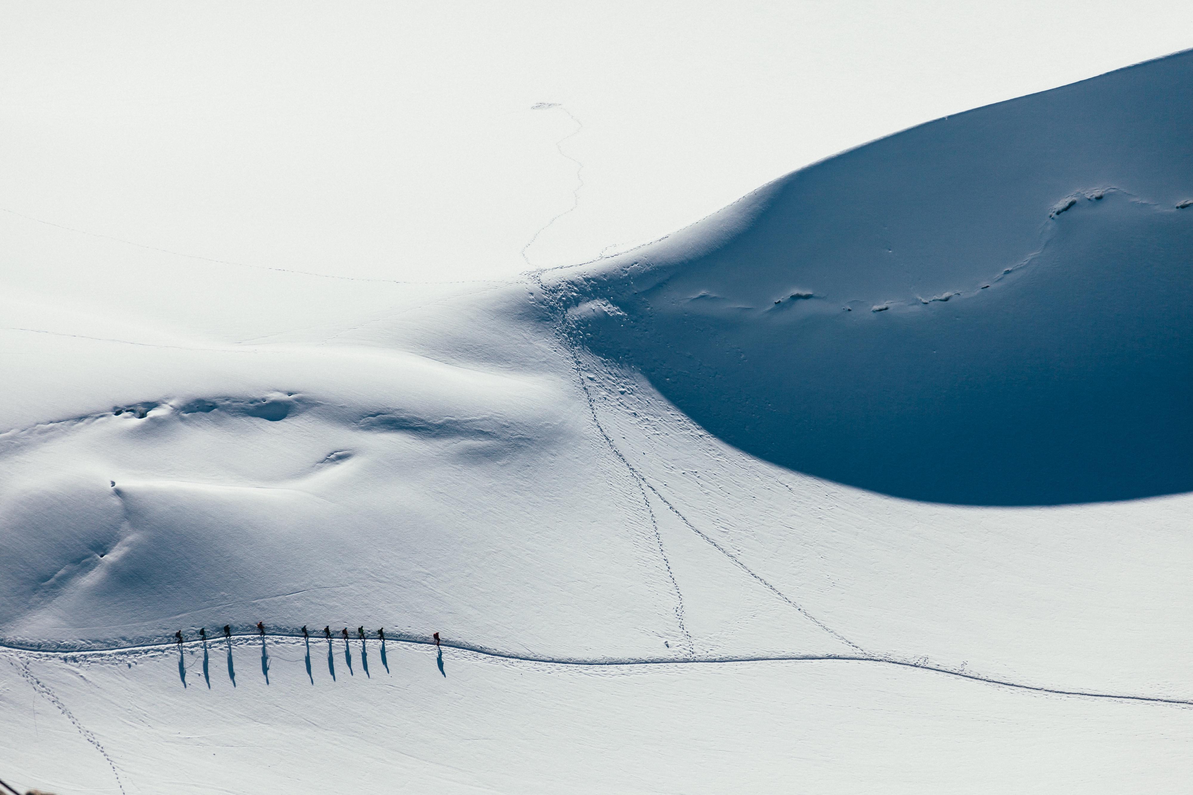 Gambar Pasir Salju Musim Dingin Hiking Putih Gelombang