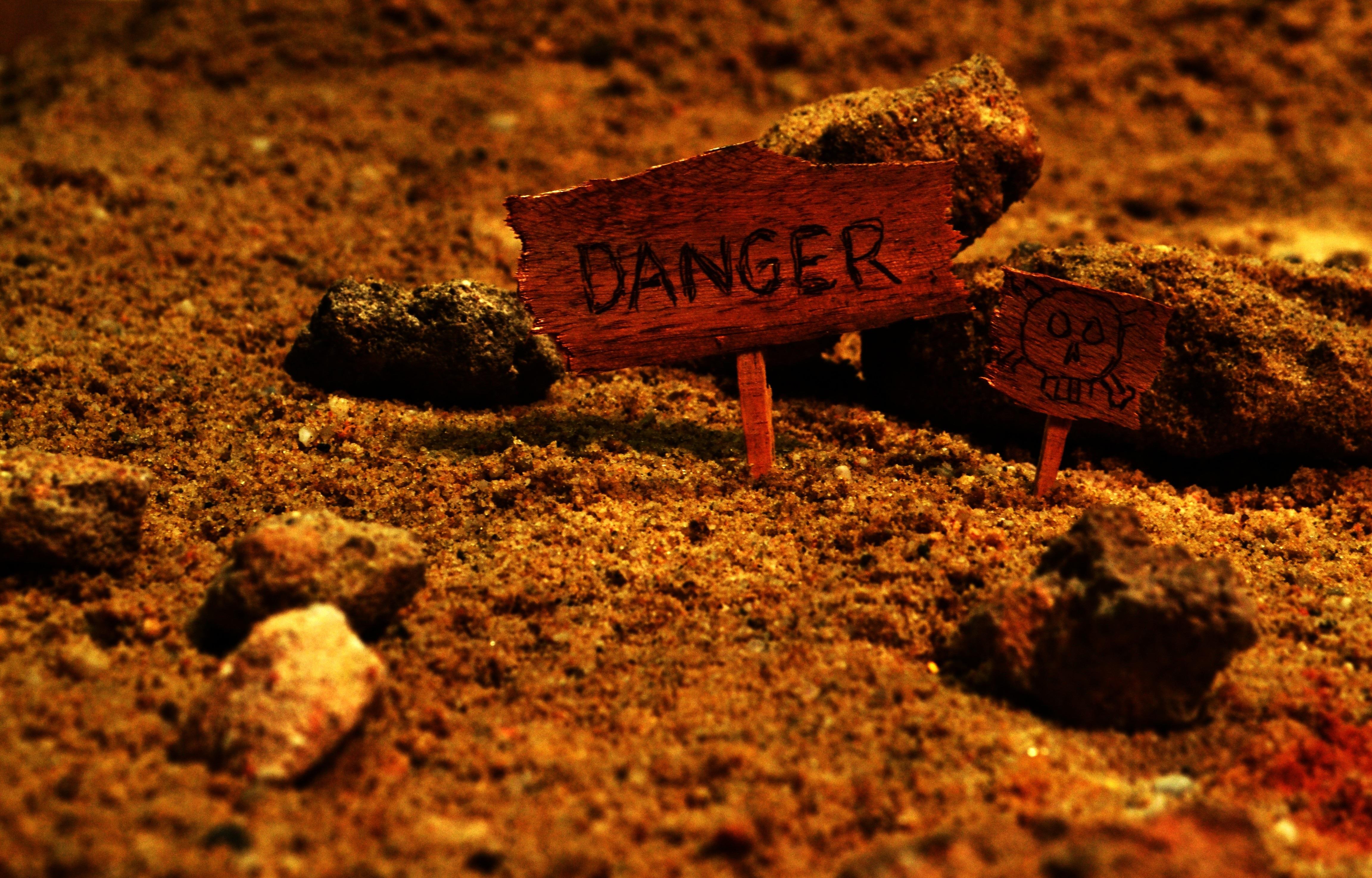Kostenlose foto : Sand, Rock, Schild, Geheimnis, Lebensmittel ...