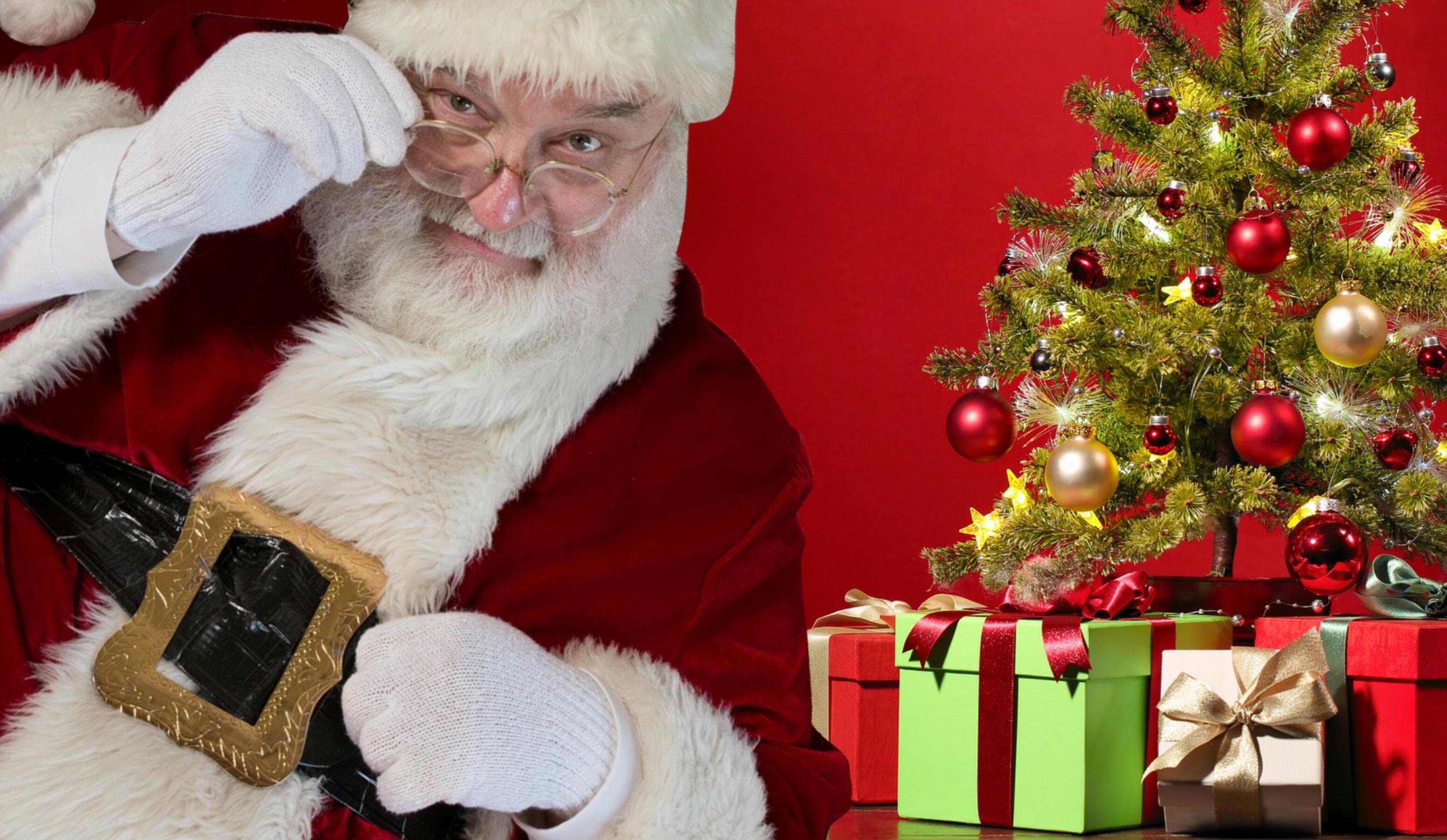 f235ed4ca1 Mikuláš Vianoce vianočný stromček veselý December ozdobiť výzdoba darčeky  Vianoce darčeky prekvapenie vyzerať vianočné dekorácie vianočná