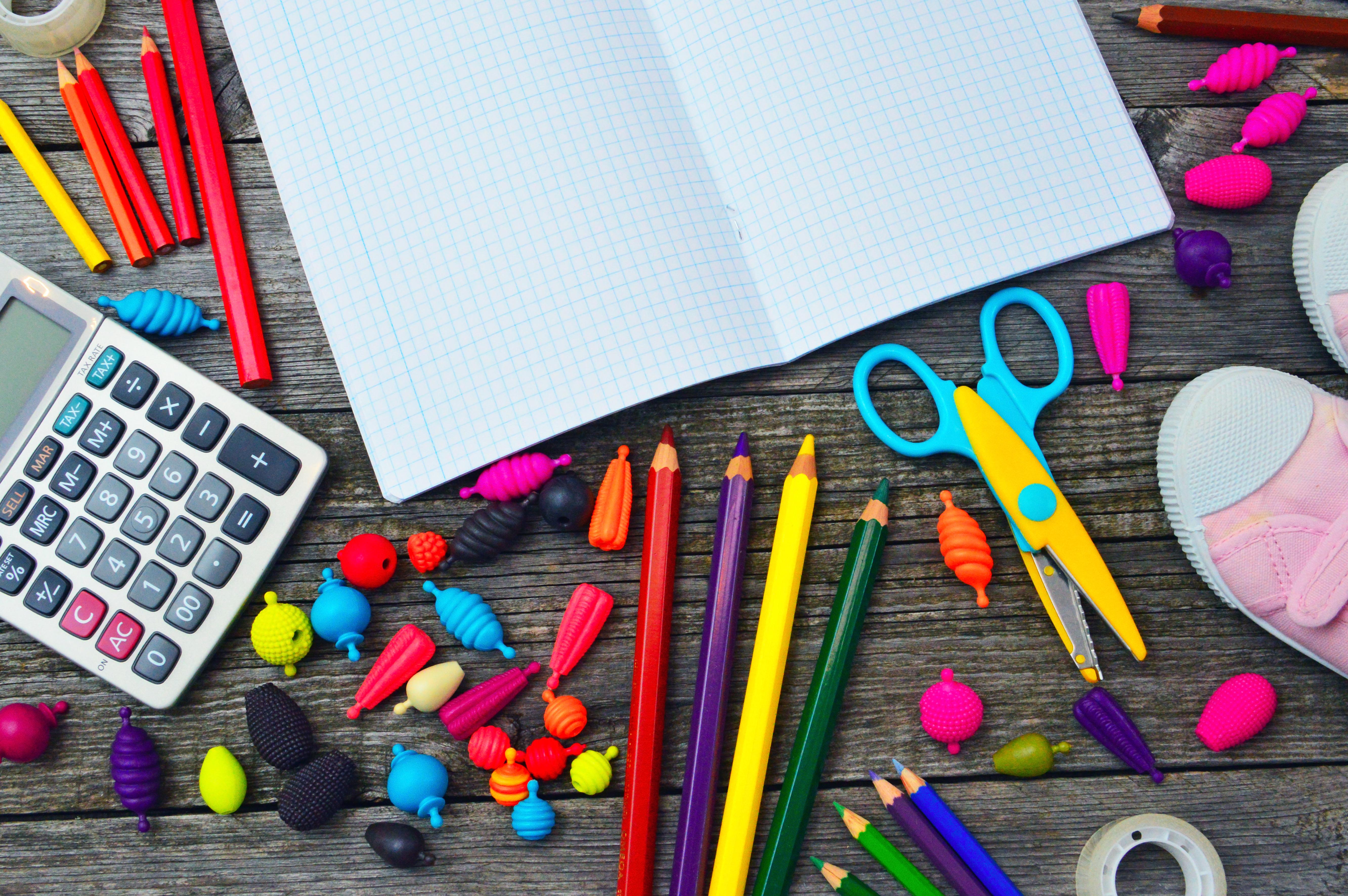 Gratis afbeeldingen school schrijfbehoeften achtergrond