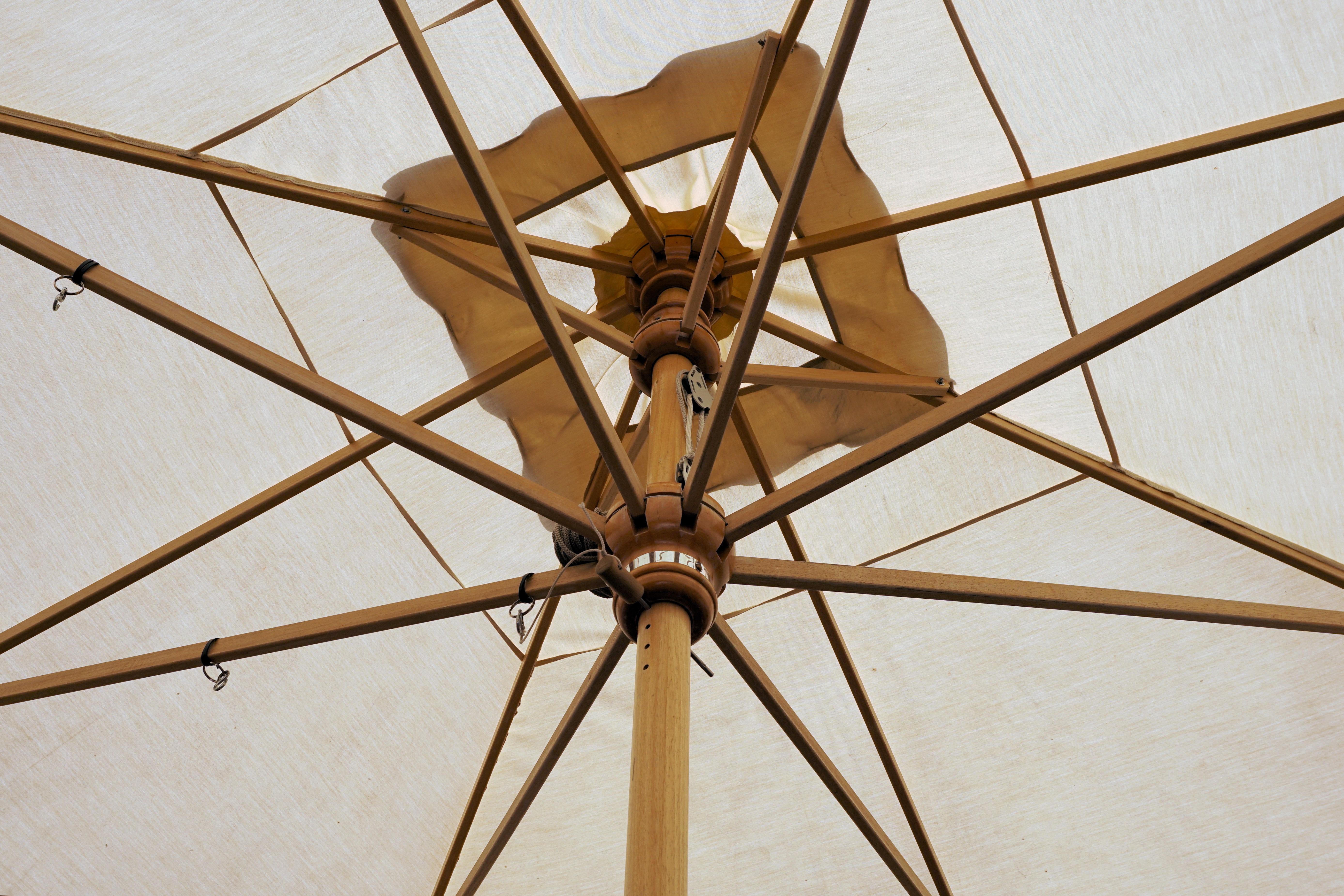 Fotos gratis : pantalla, madera, sol, línea, mástil, paraguas, marco ...