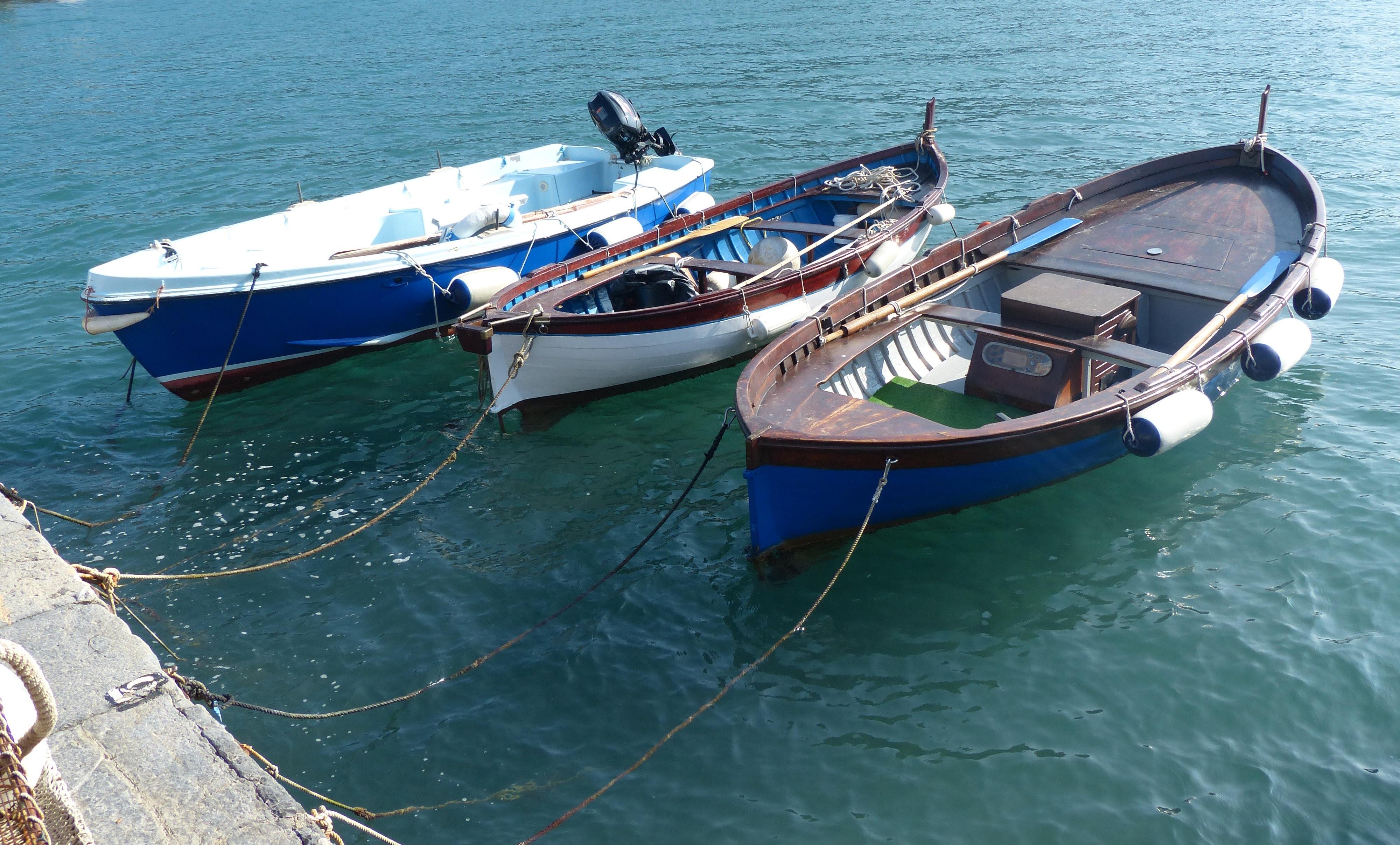 bateau a moteur traduction