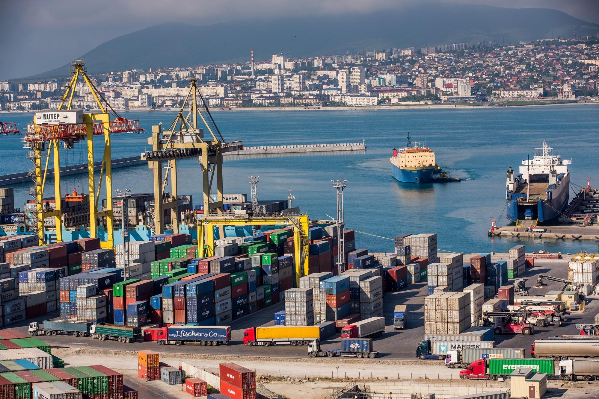картинки торговых портов меньше число