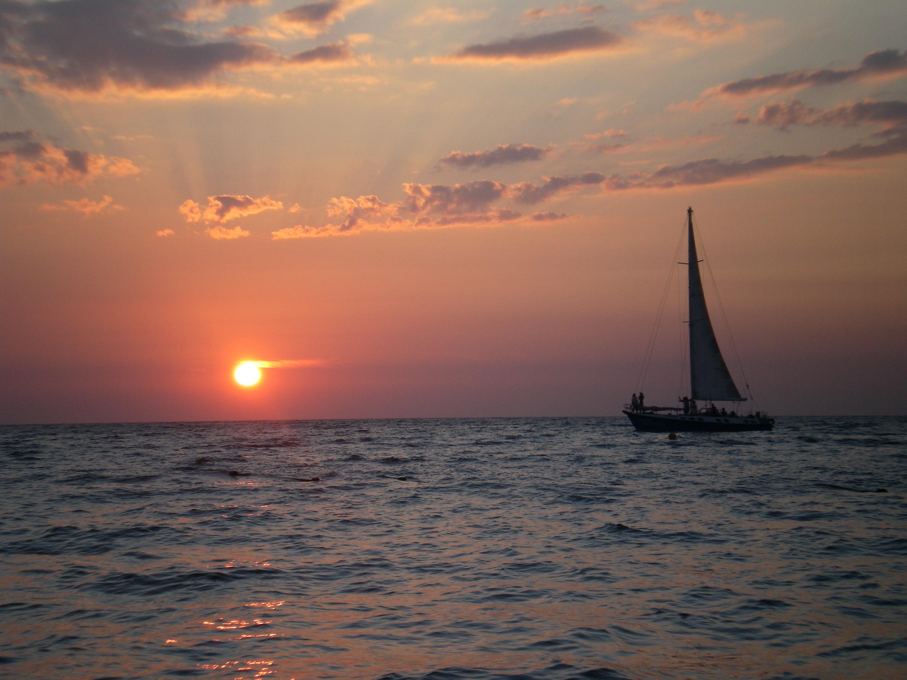 Images gratuites mer c te oc an horizon nuage lever - Photo de voilier gratuite ...