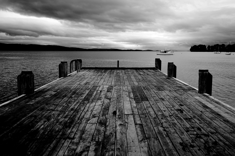 Фото черно белые пристань