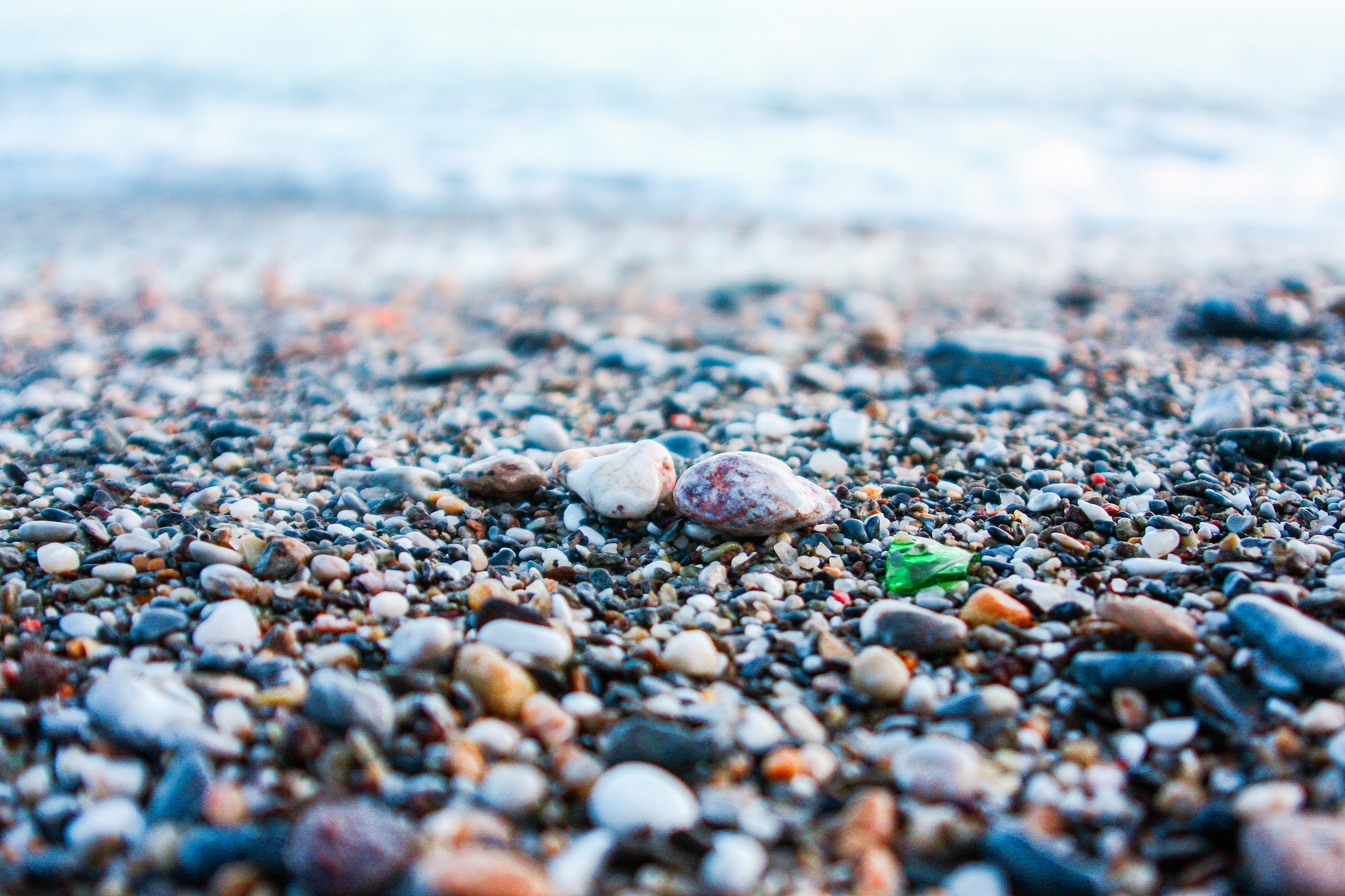 Картинка морские камушки и волны