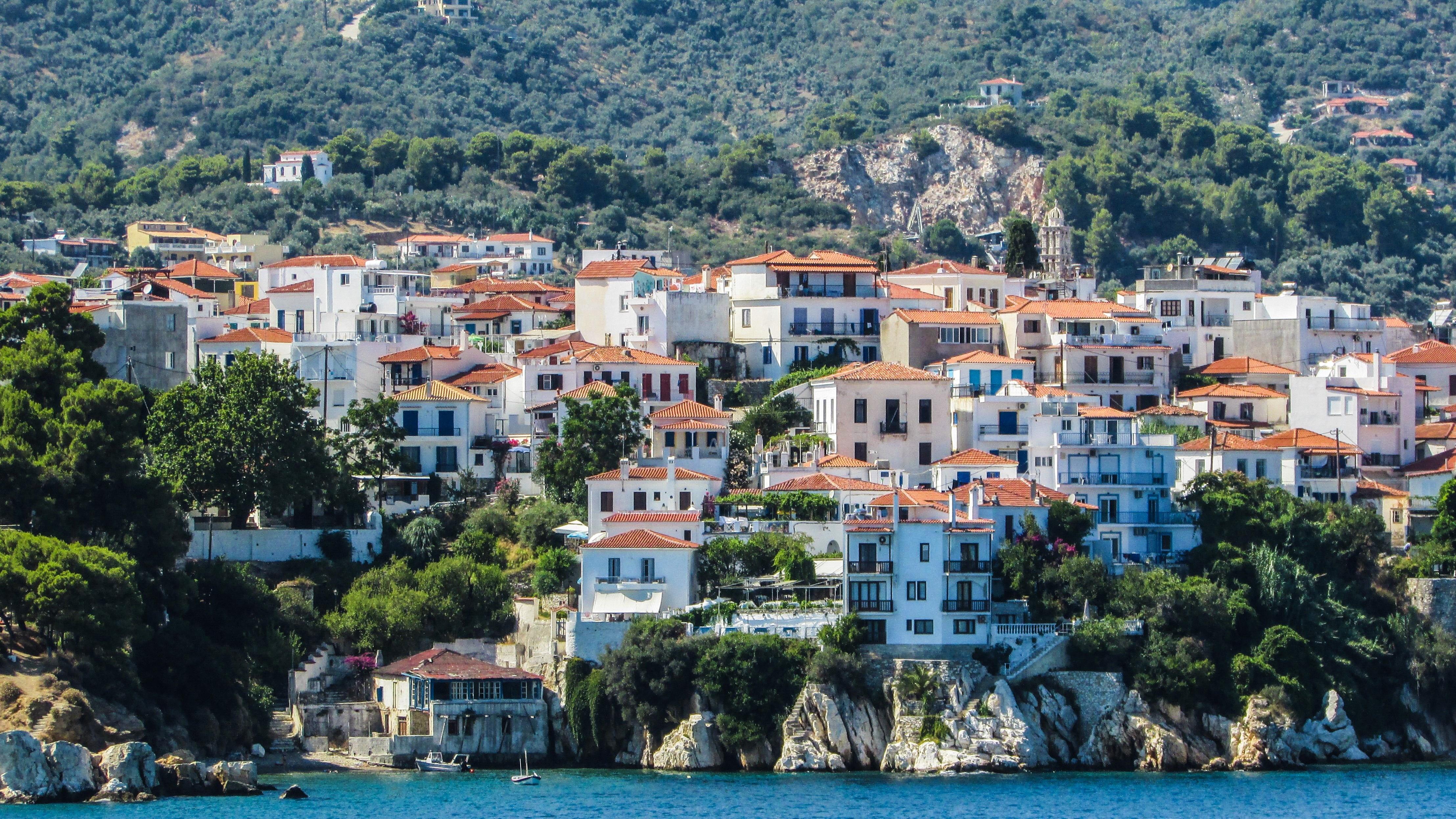 mar costa pueblo paisaje urbano verano vacaciones viajar pueblo griego mediterrneo baha isla turismo grecia skiathos