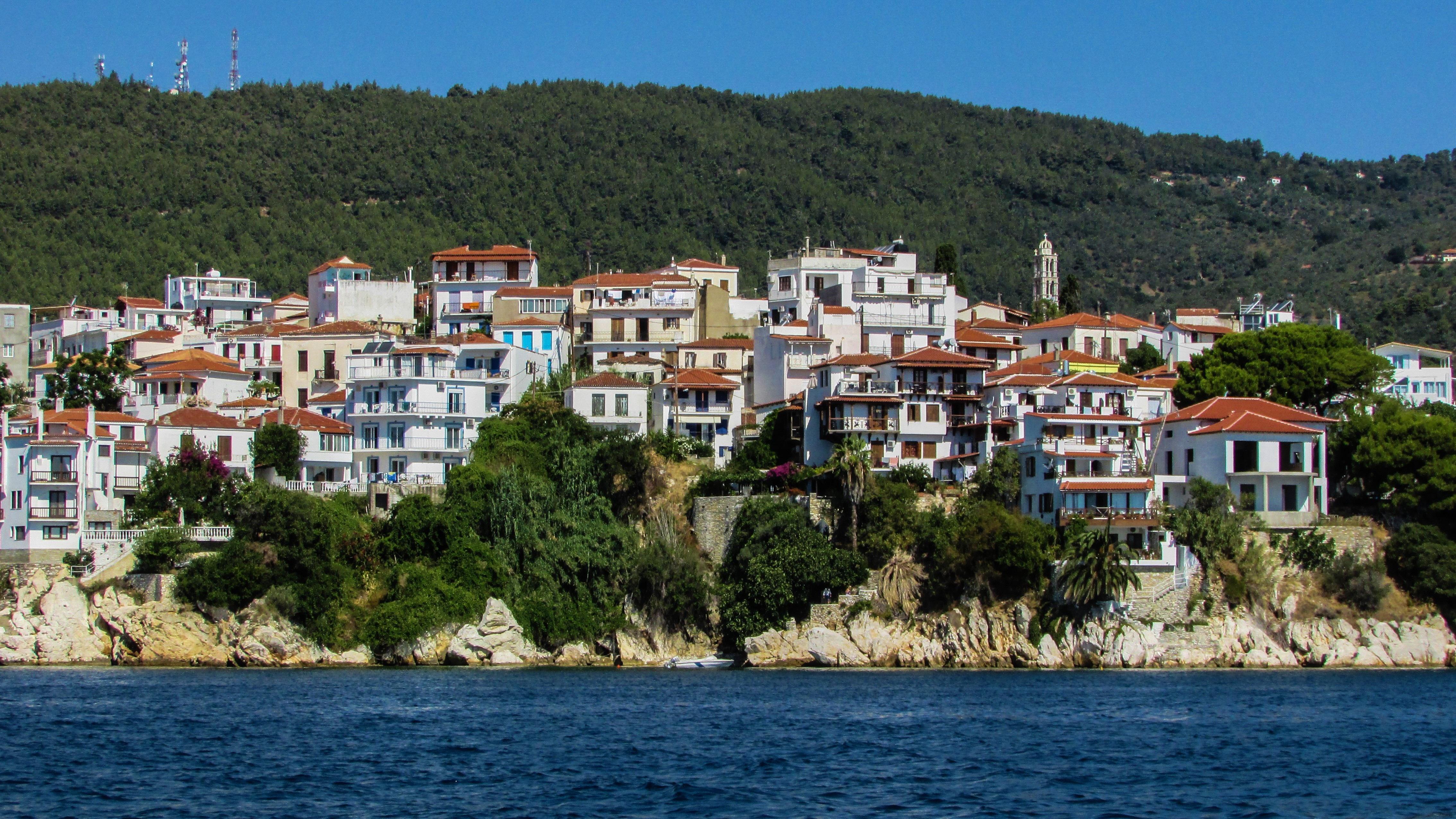mar costa pueblo verano vacaciones viajar pueblo europa griego mediterrneo baha isla turismo grecia skiathos egeo