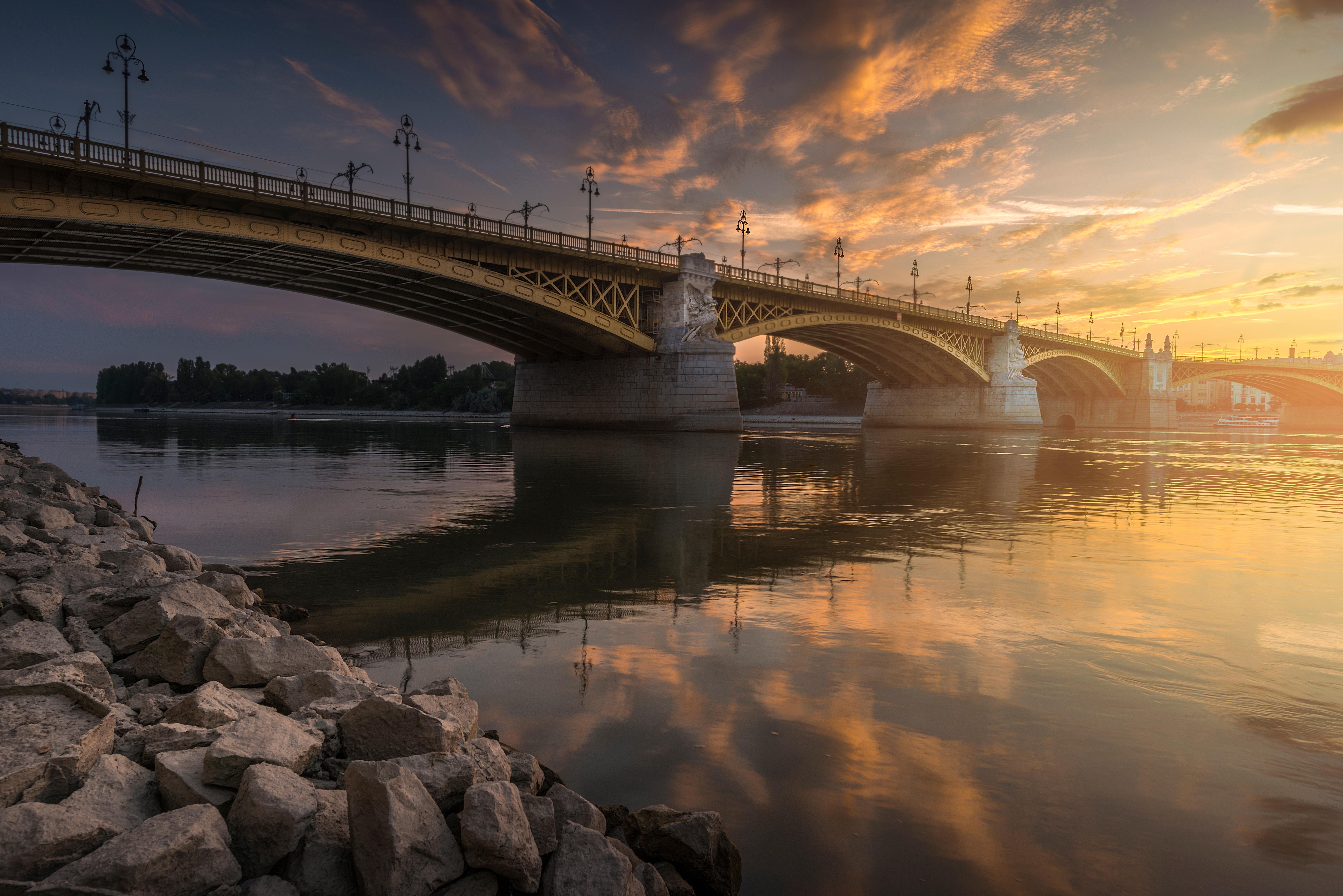 фотографировать рассвет с моста газосиликатных блоков
