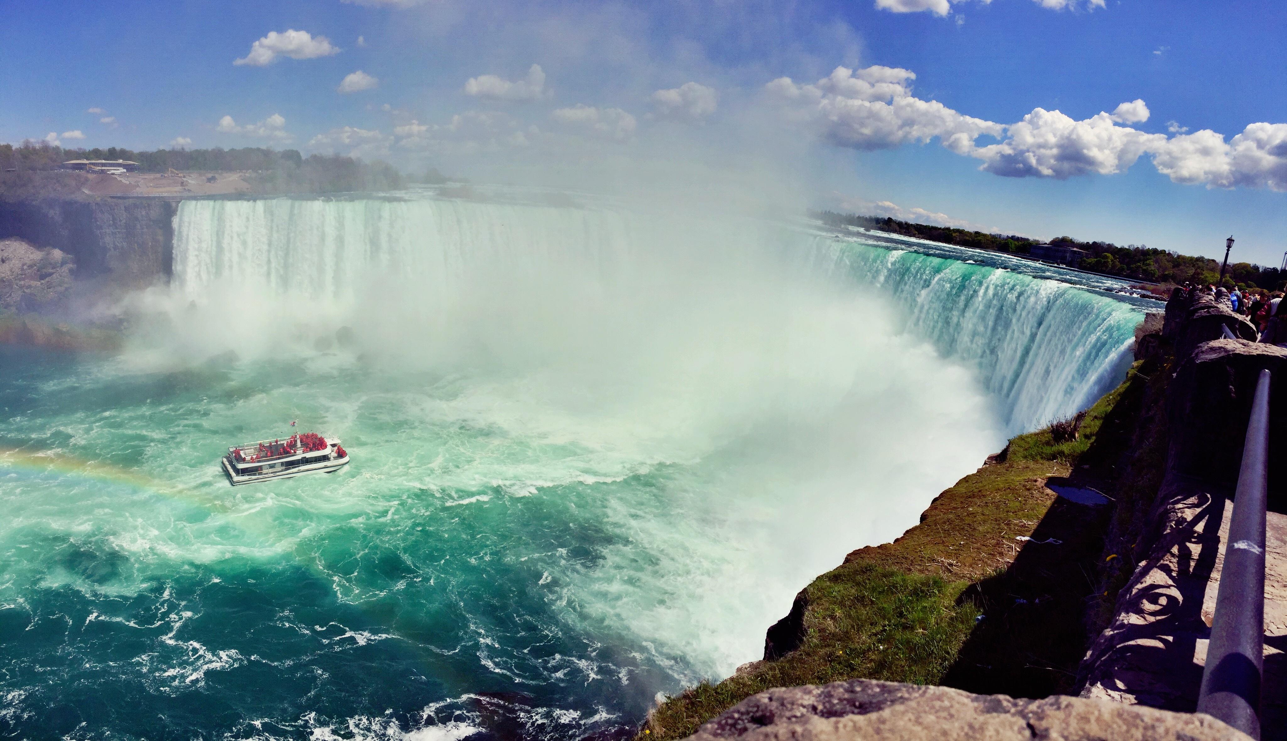 судно фото подводного водопада на маврикии ему обязательно вертеть
