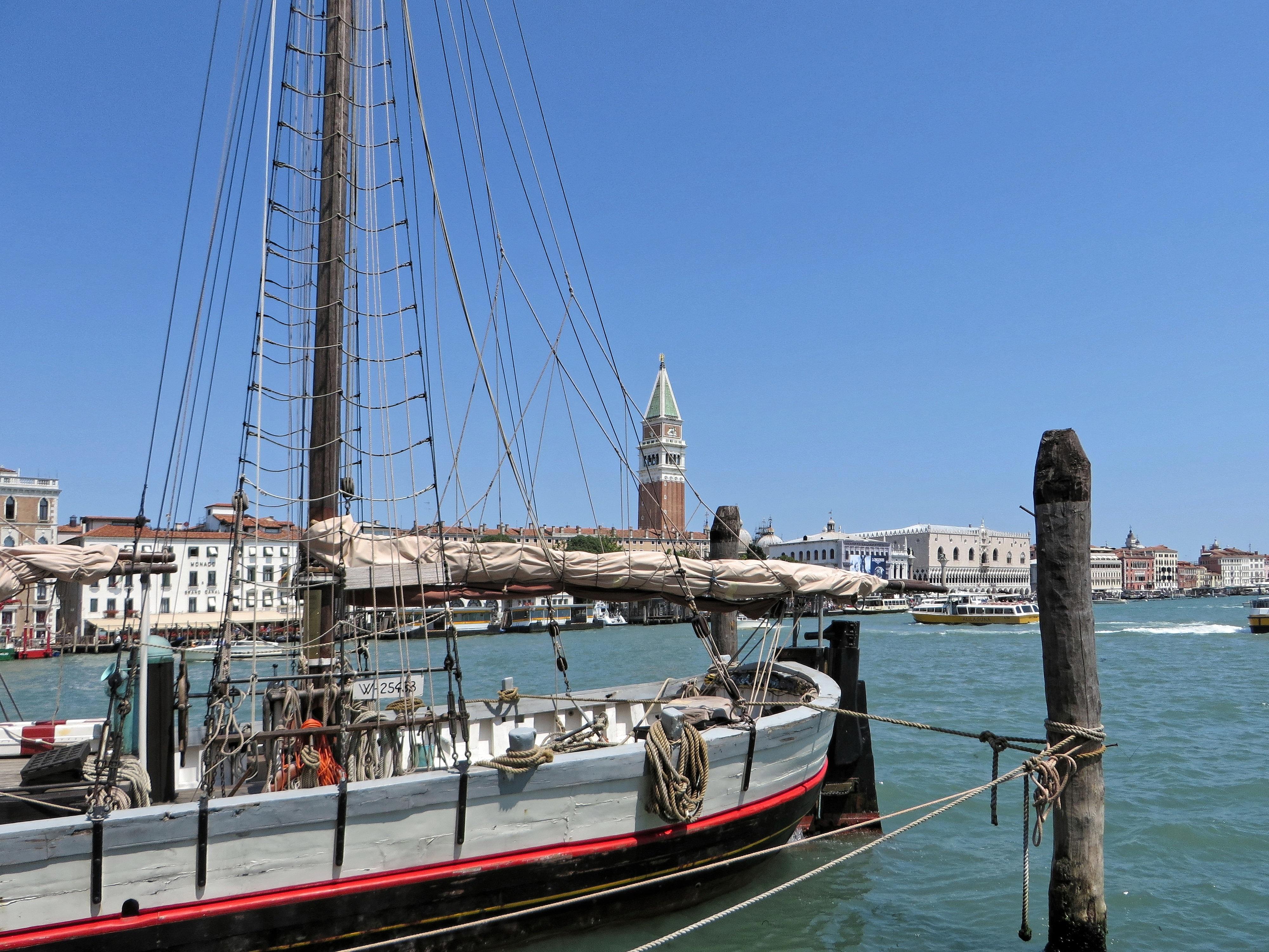 images gratuites mer dock pont palais ville m t italie port venise marina port. Black Bedroom Furniture Sets. Home Design Ideas
