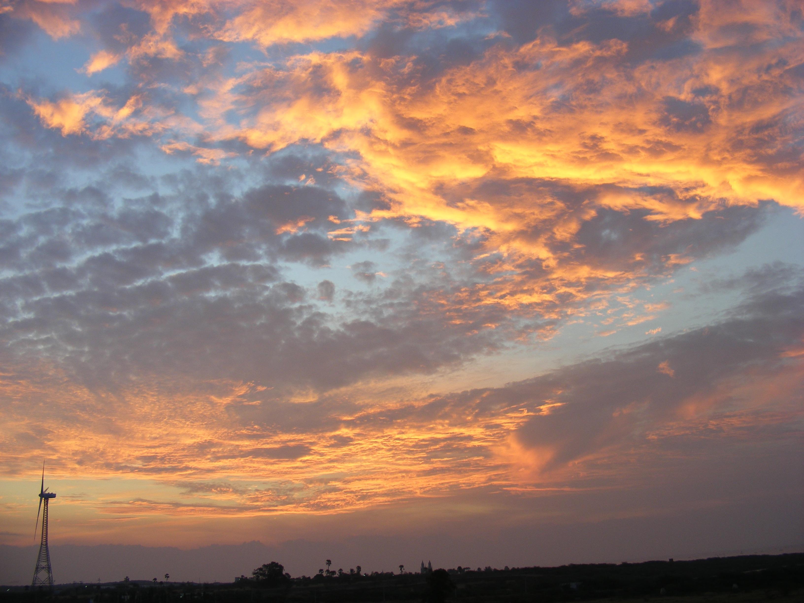 фото небо с облаками и солнцем новости том, что
