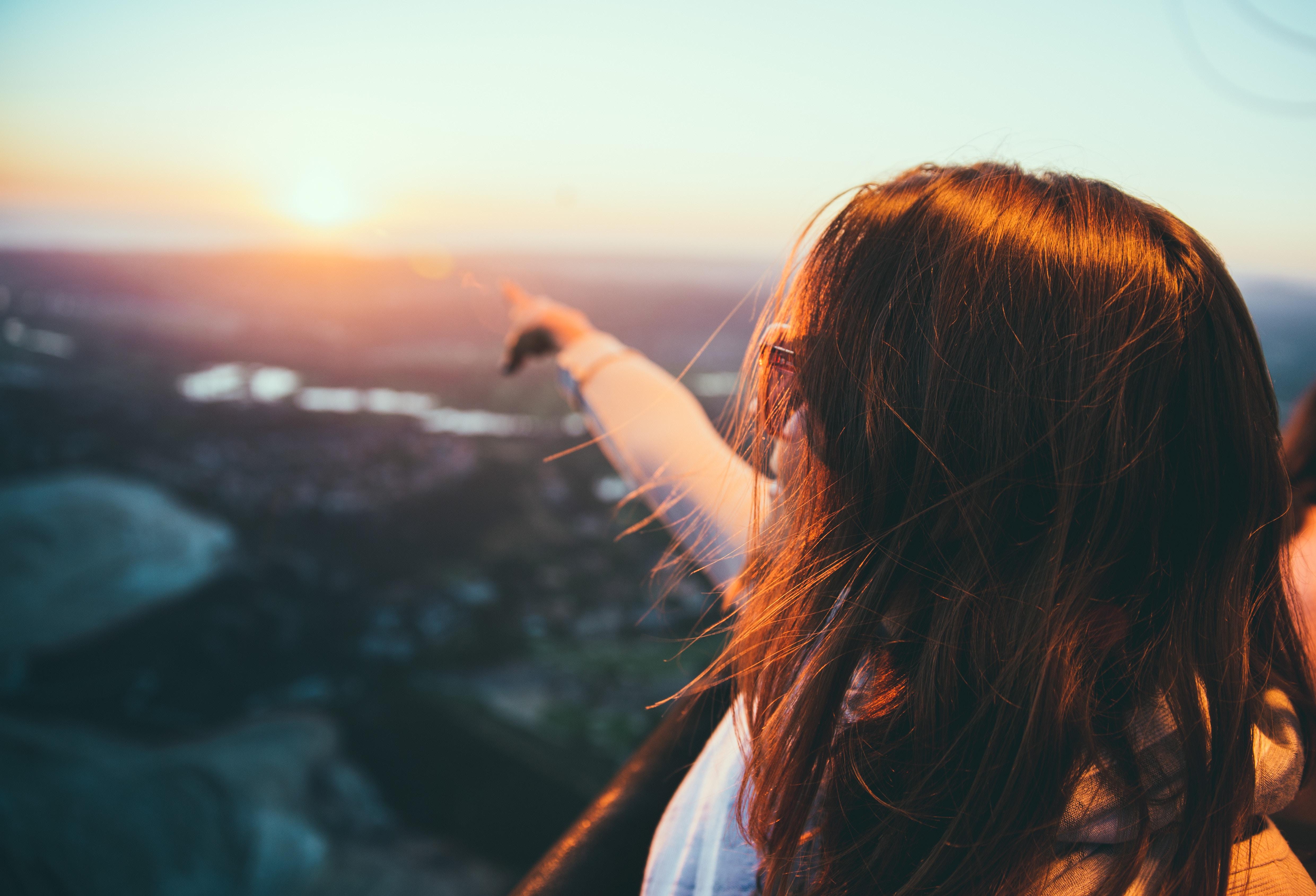 Днем, картинки девушка и солнце