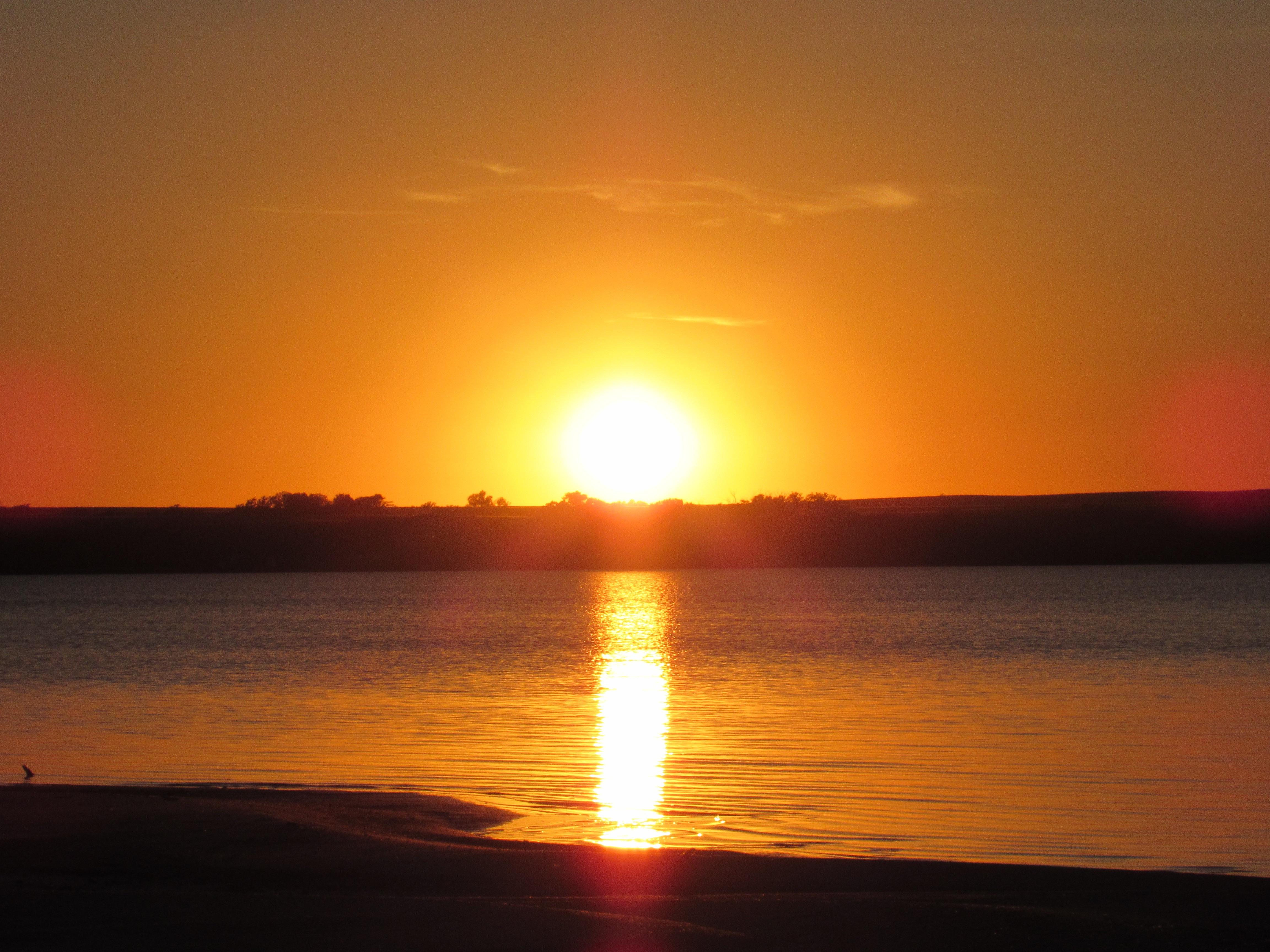 этой фото восхода и заката солнца родилась женеве