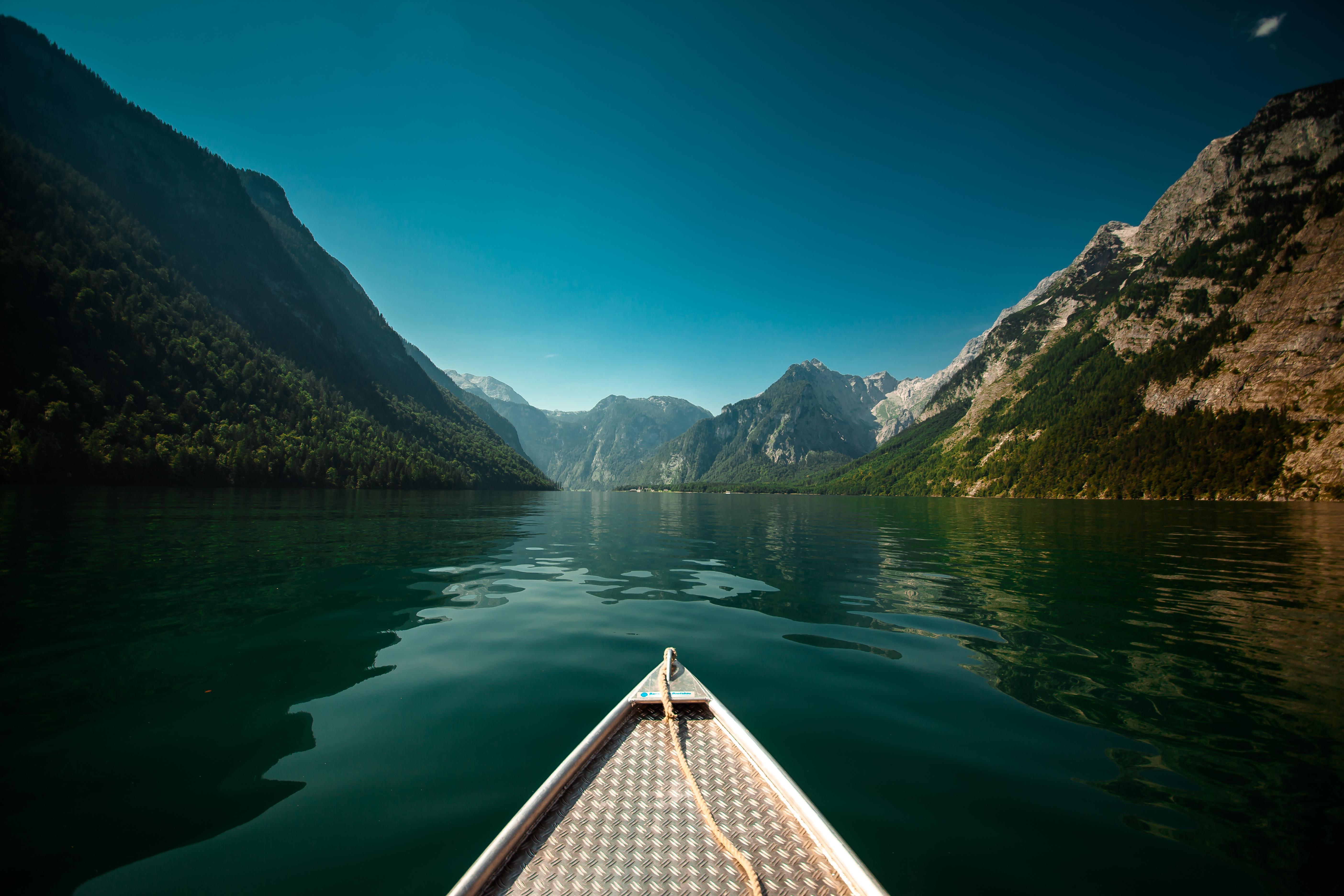 солнце в горах озеро яхты картинки можете выбрать