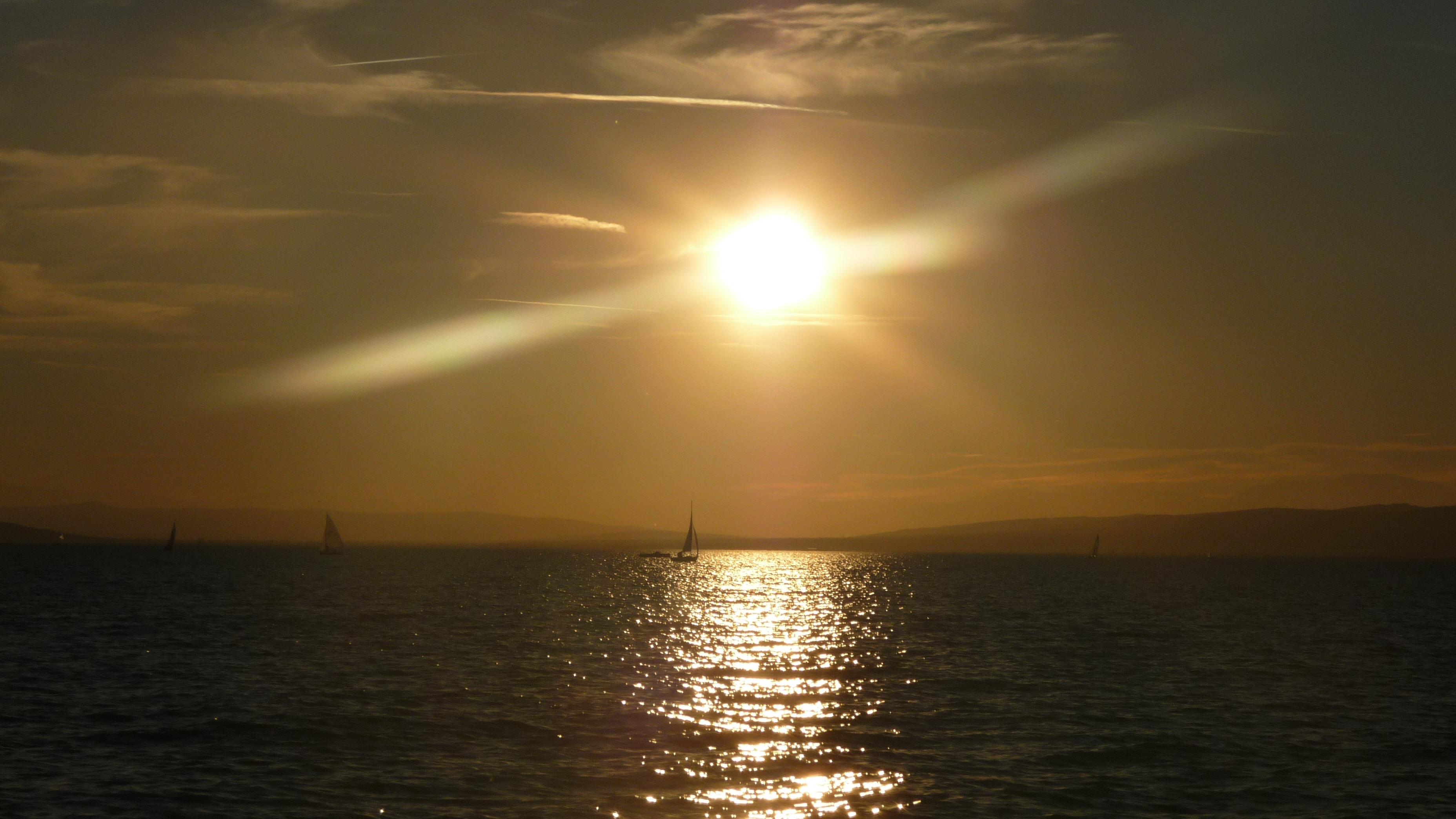 фото на заходящем солнце александра смогла