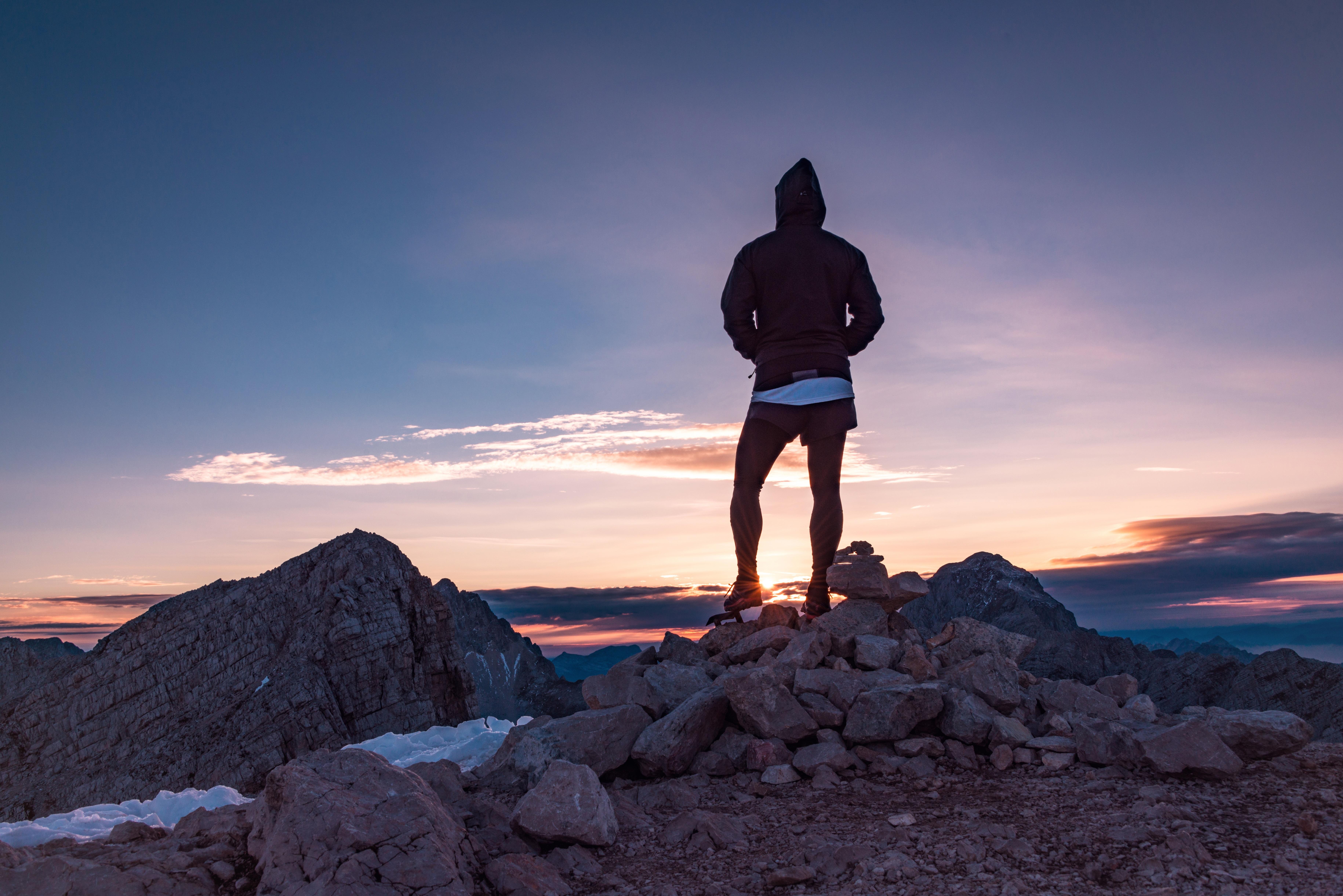 хорошего картинки на аву горы и человек сбываются мечты бог