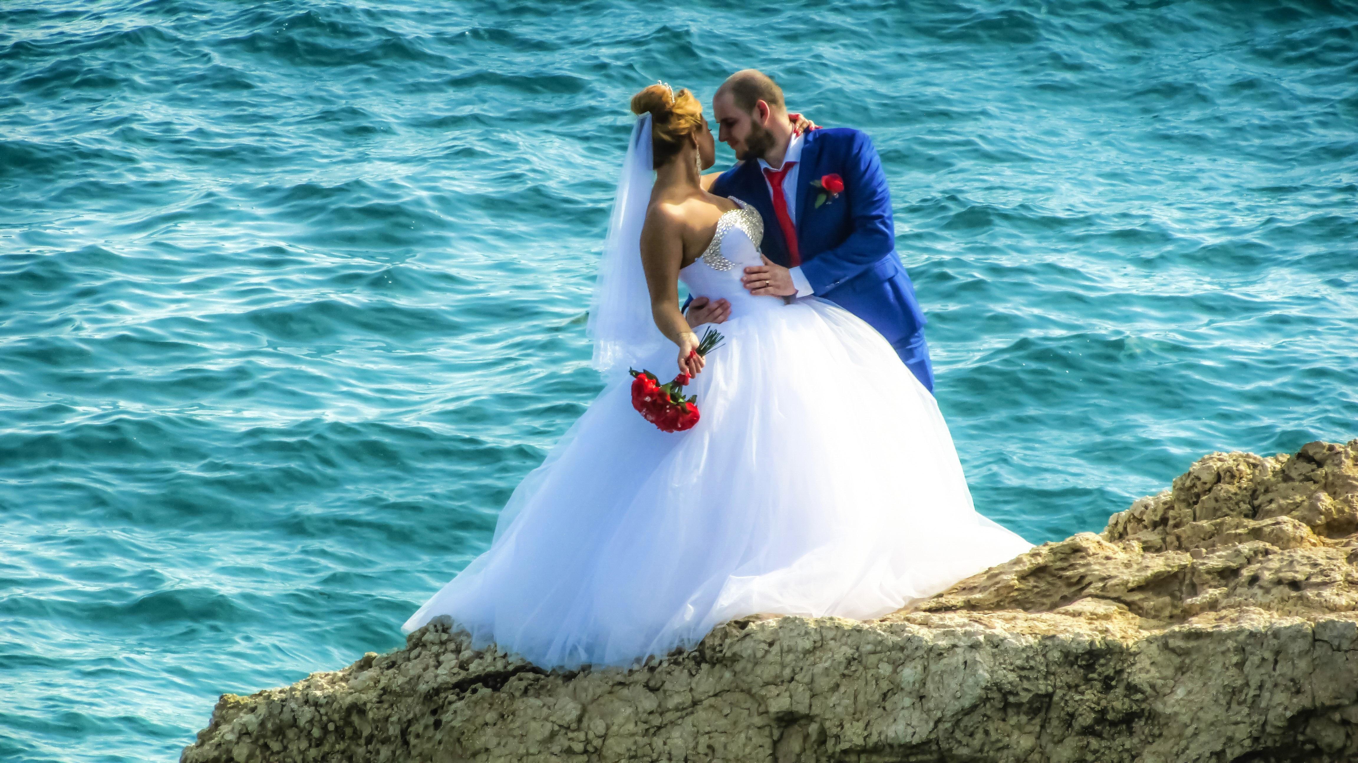 Fotos gratis : mar, naturaleza, al aire libre, mujer, blanco ...