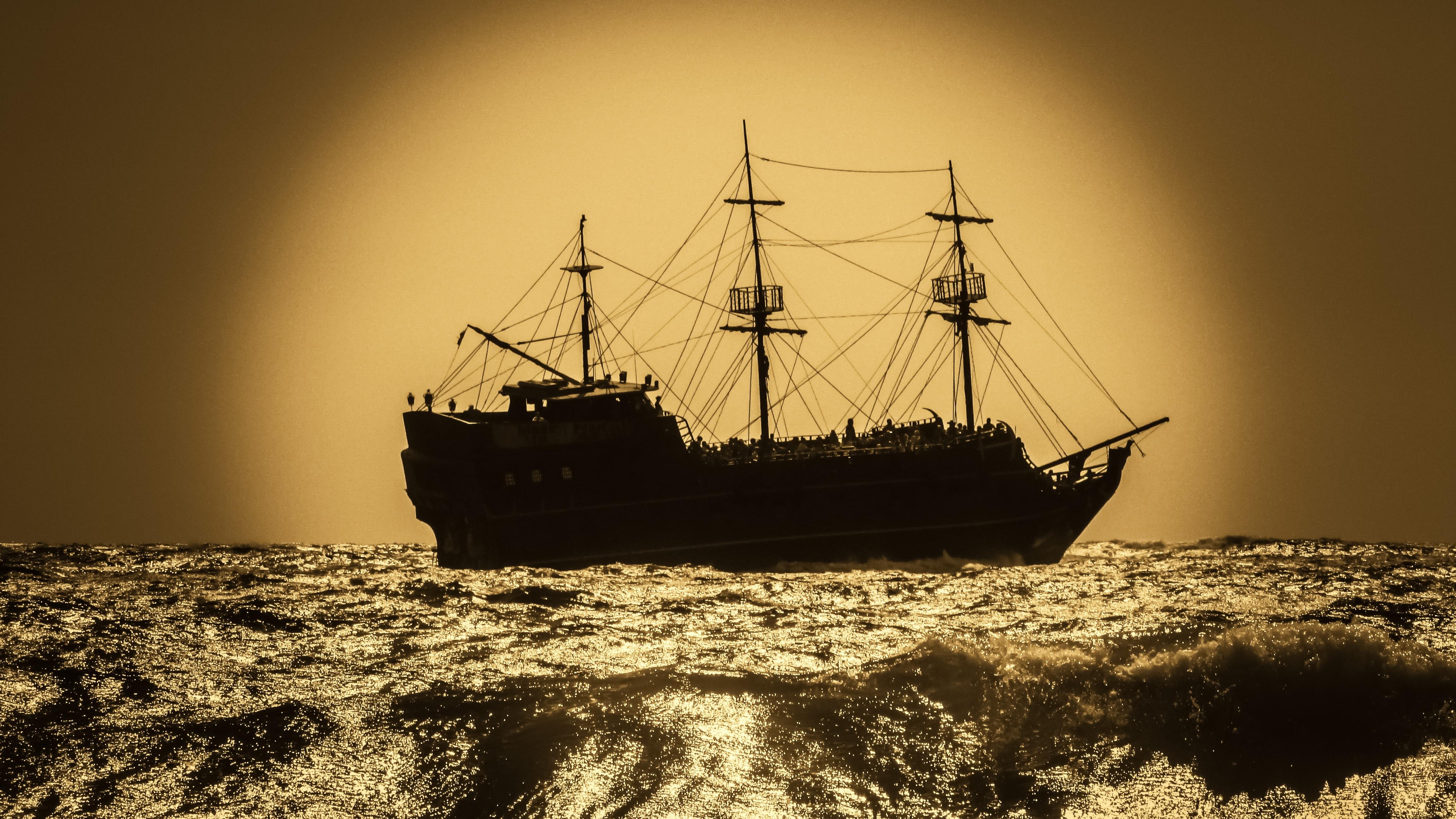 Gambar Lautan Petualangan Kendaraan Perahu Layar Kapal Perang