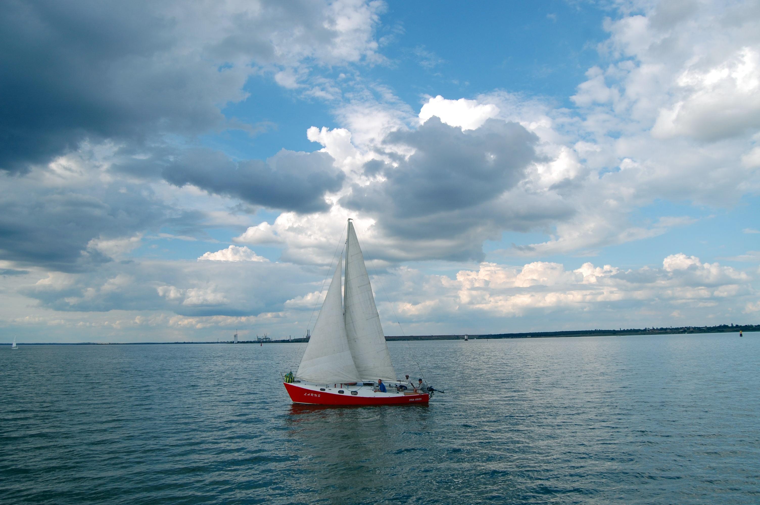 Картинки лодка с парусом, года бронзовая