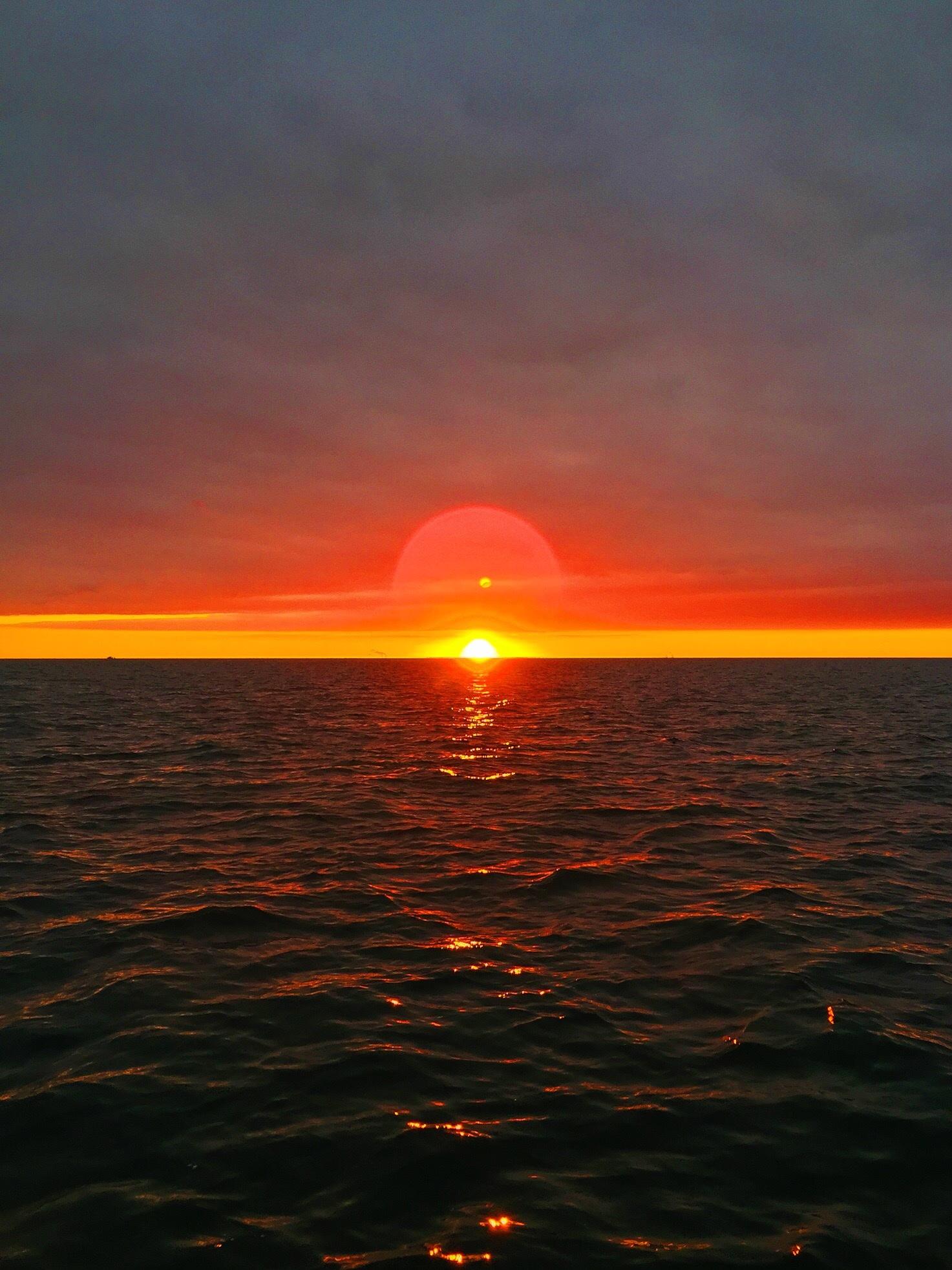Фото восход над морем