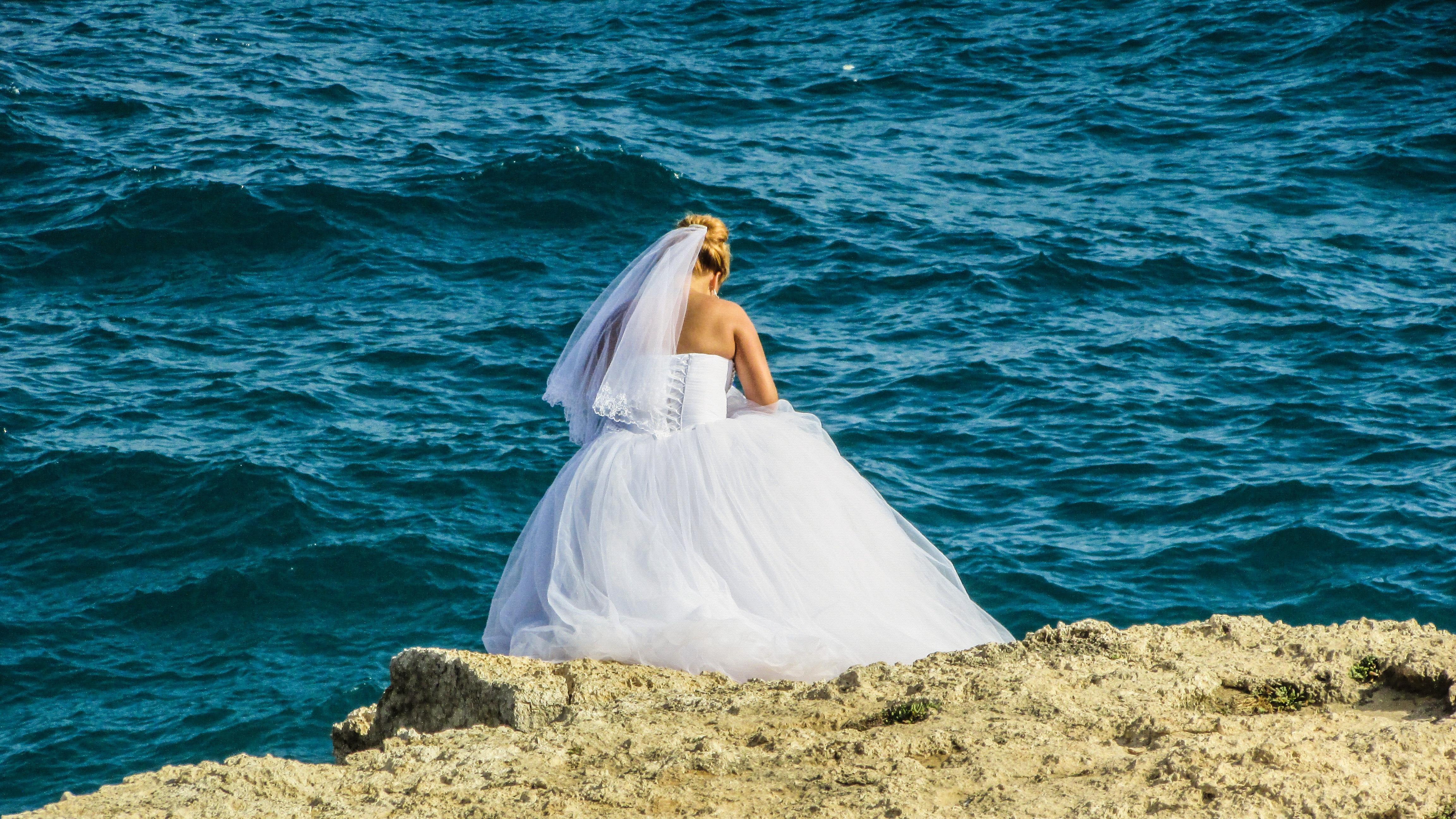 Fotos gratis : mar, al aire libre, Oceano, blanco, submarino, Boda ...