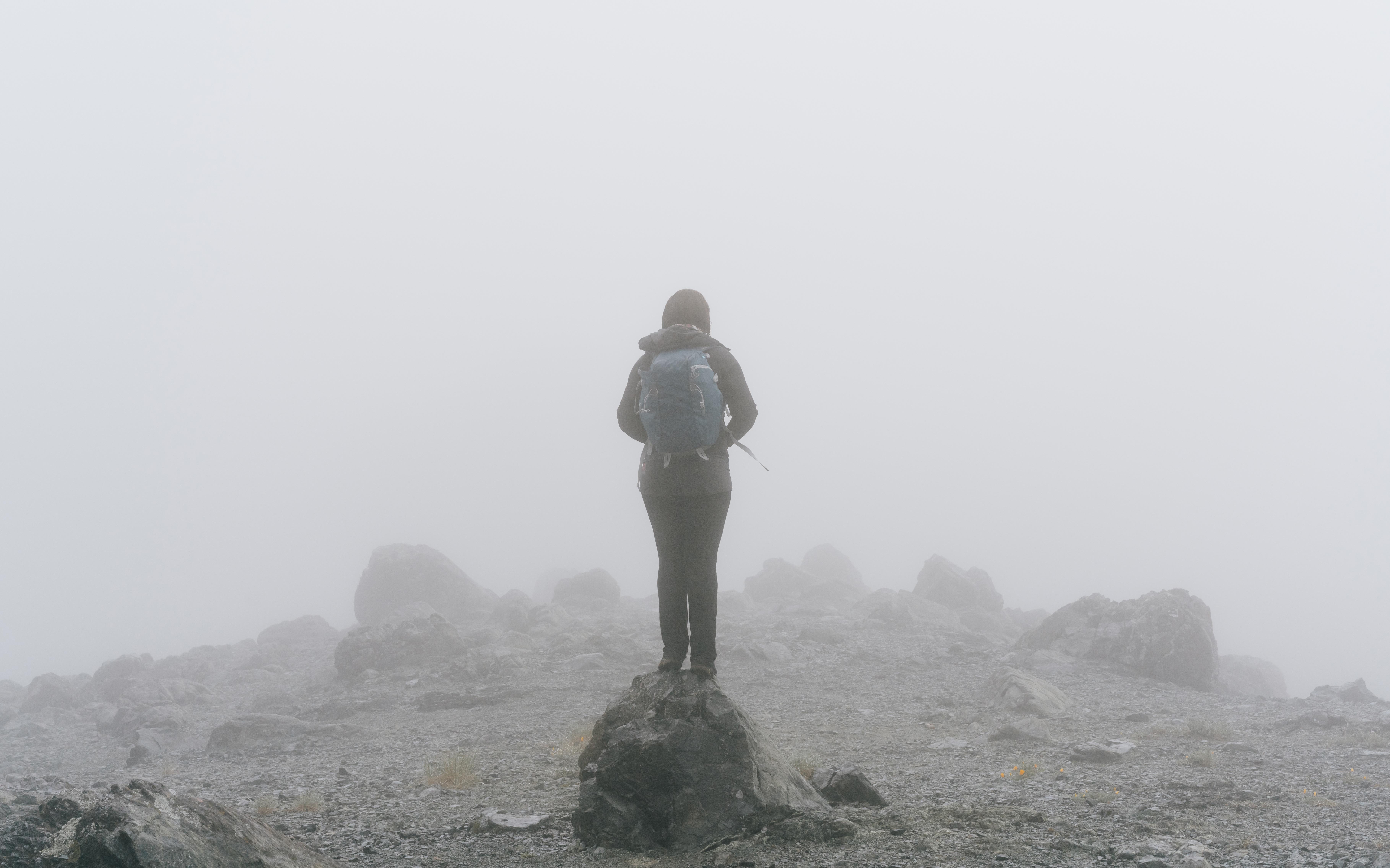 Kostenlose foto : Meer, Rock, Gehen, Berg, Schnee, Winter, Nebel ...
