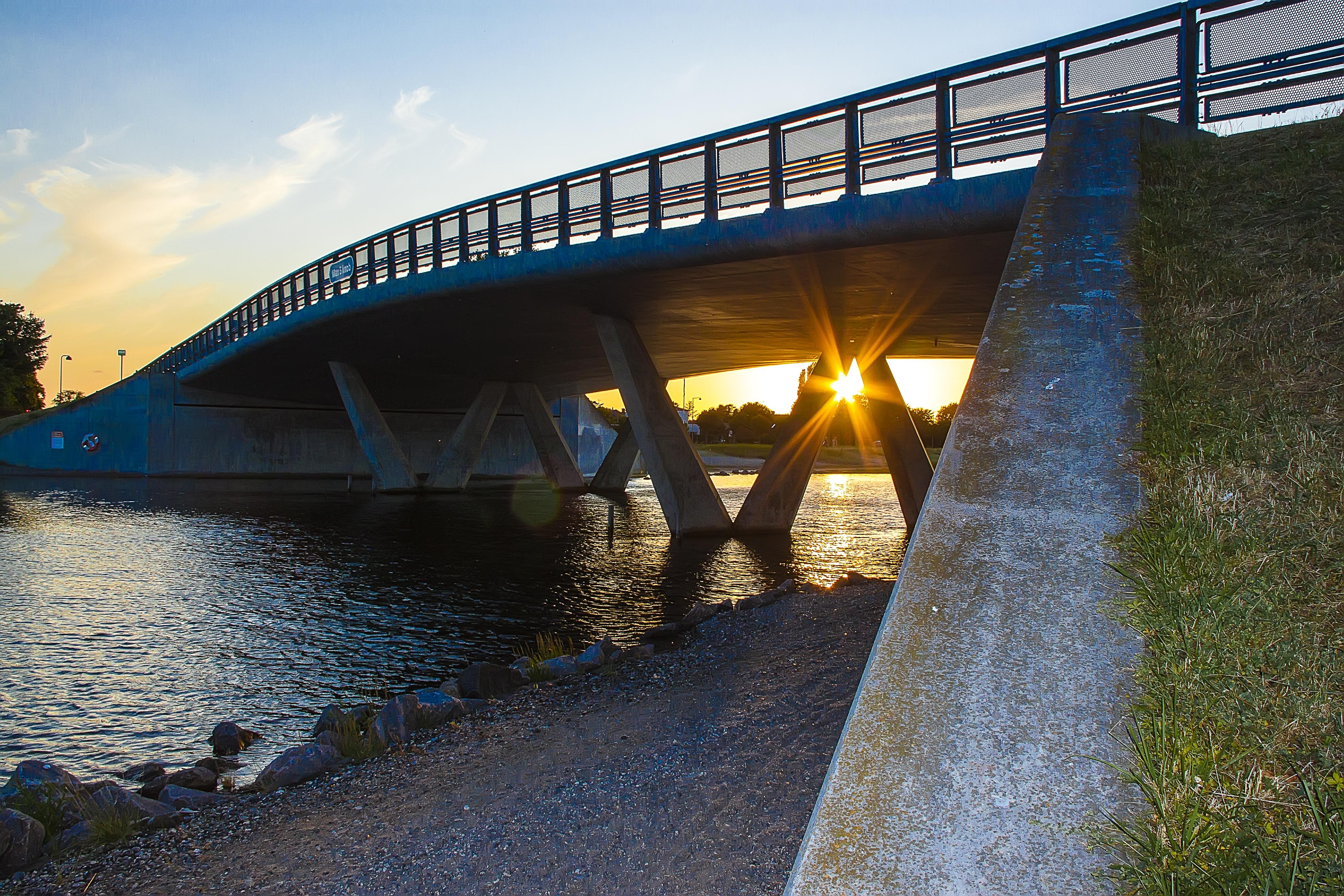 картинки реки под мостом или иначе, этой
