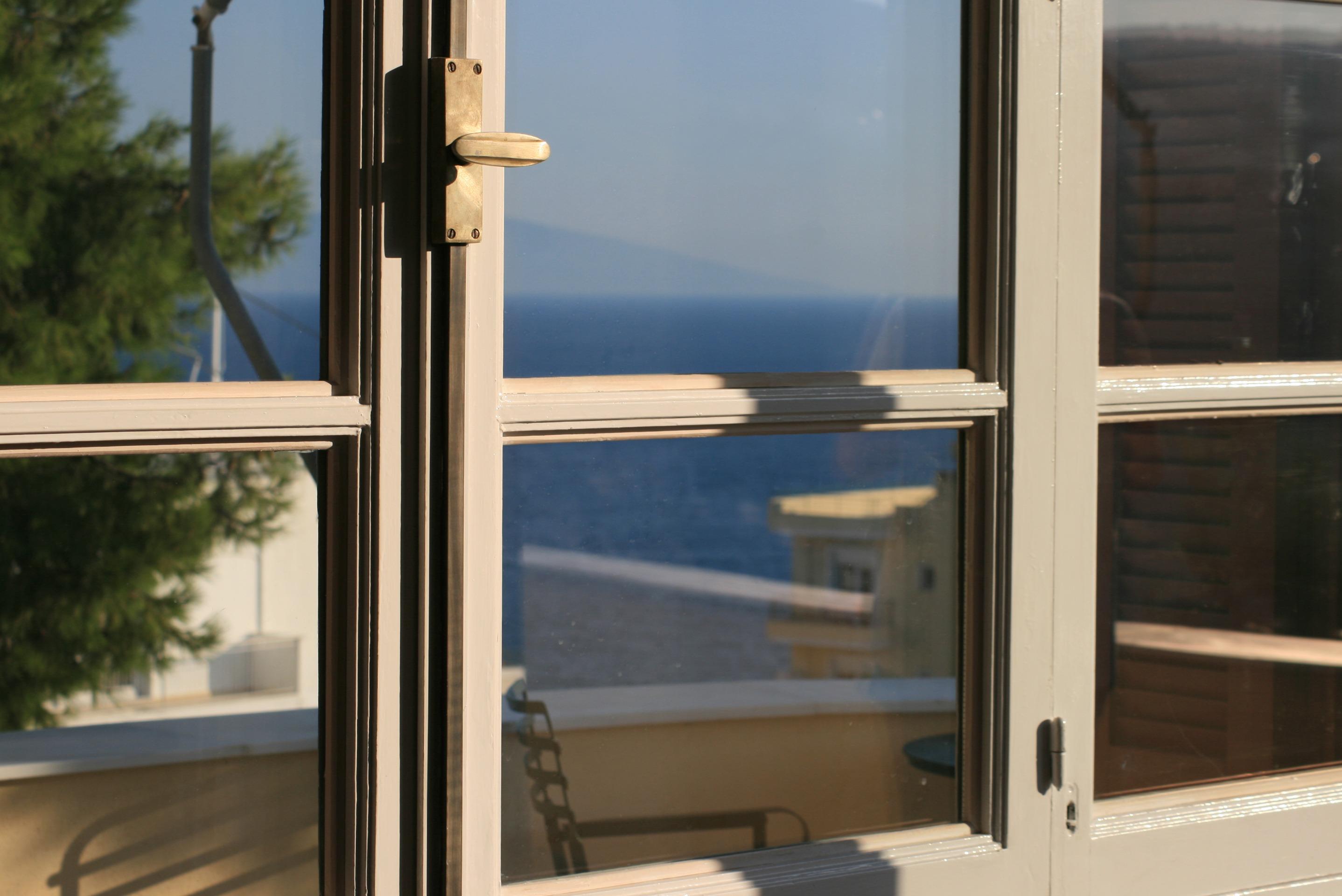 Fotos gratis : mar, árbol, madera, casa, vaso, edificio, verano ...
