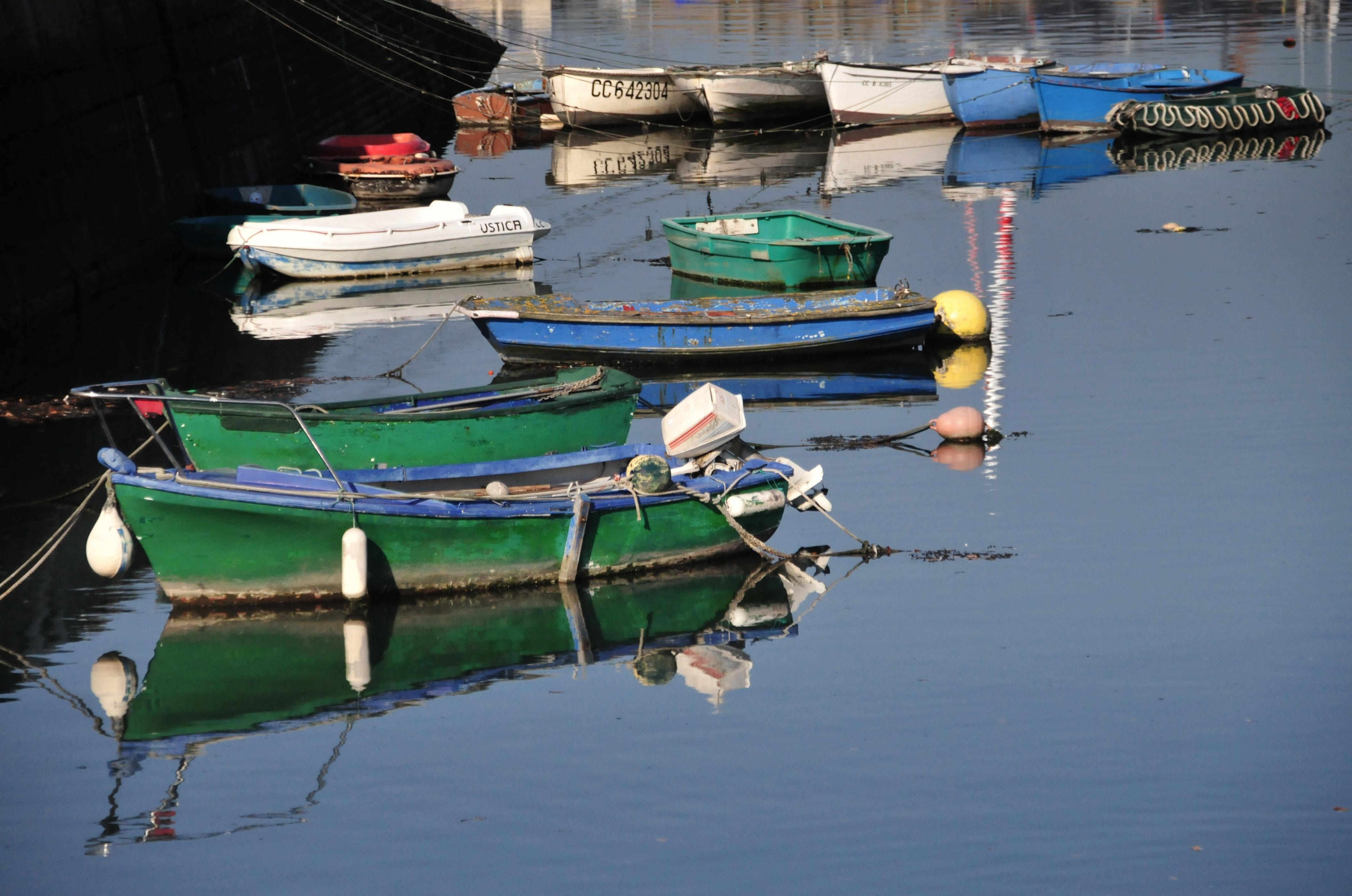 096778cfd more voda čln Francúzsko odraz vozidlo stožiar prístav lodičky lode zrkadlo  prístaviska vodné skútre rybárske lode