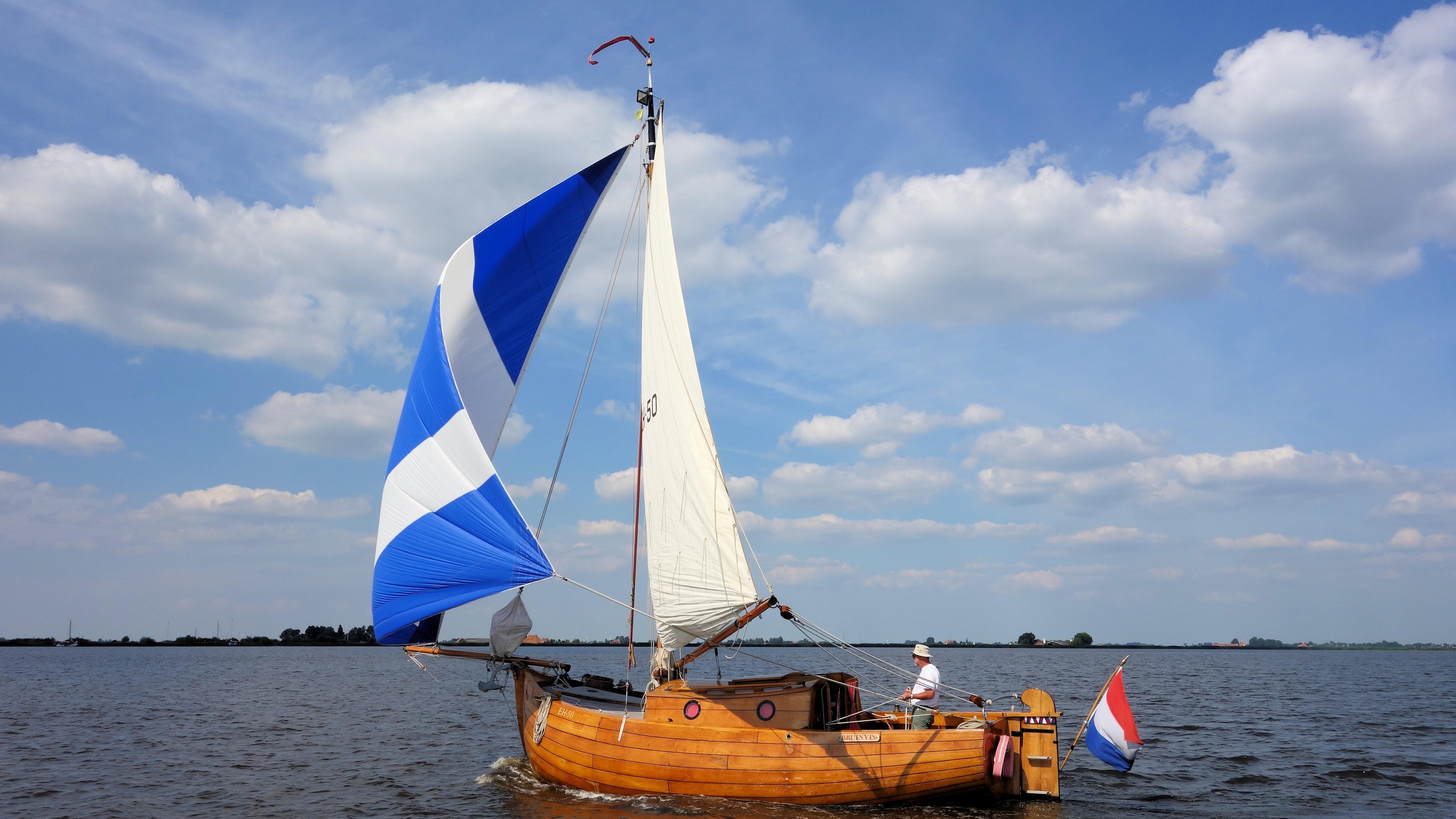 могли фото лодки с парусами можно избежать, если