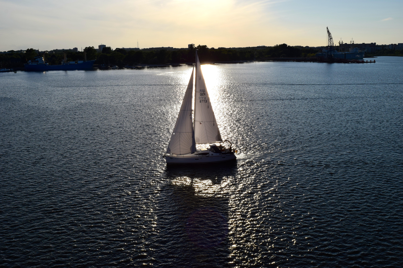 Segeln sonnenuntergang  Kostenlose foto : Meer, Wasser, Dock, Sonnenuntergang, Boot ...