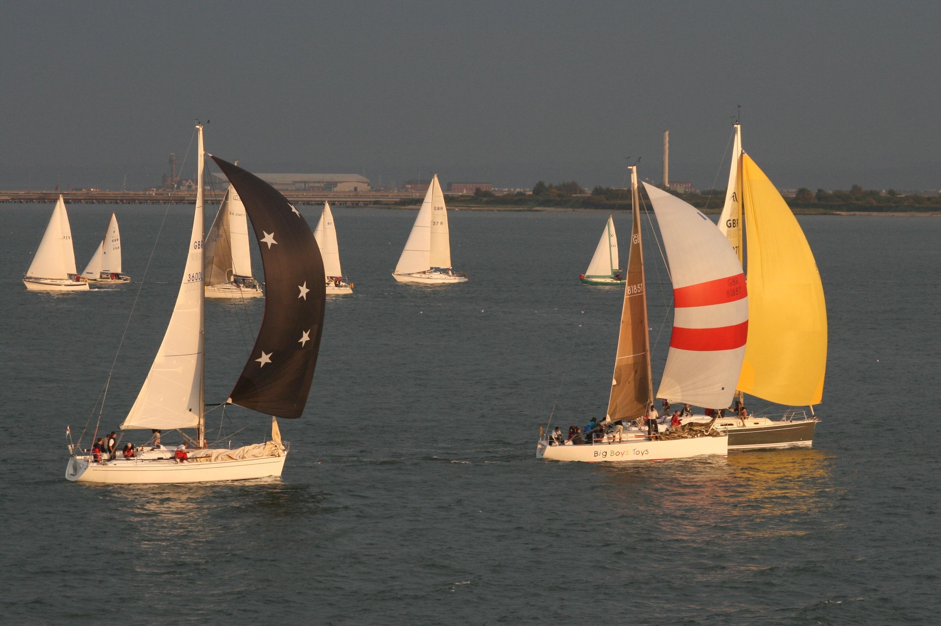 эстетических фото лодки с парусами рубежом такие строения