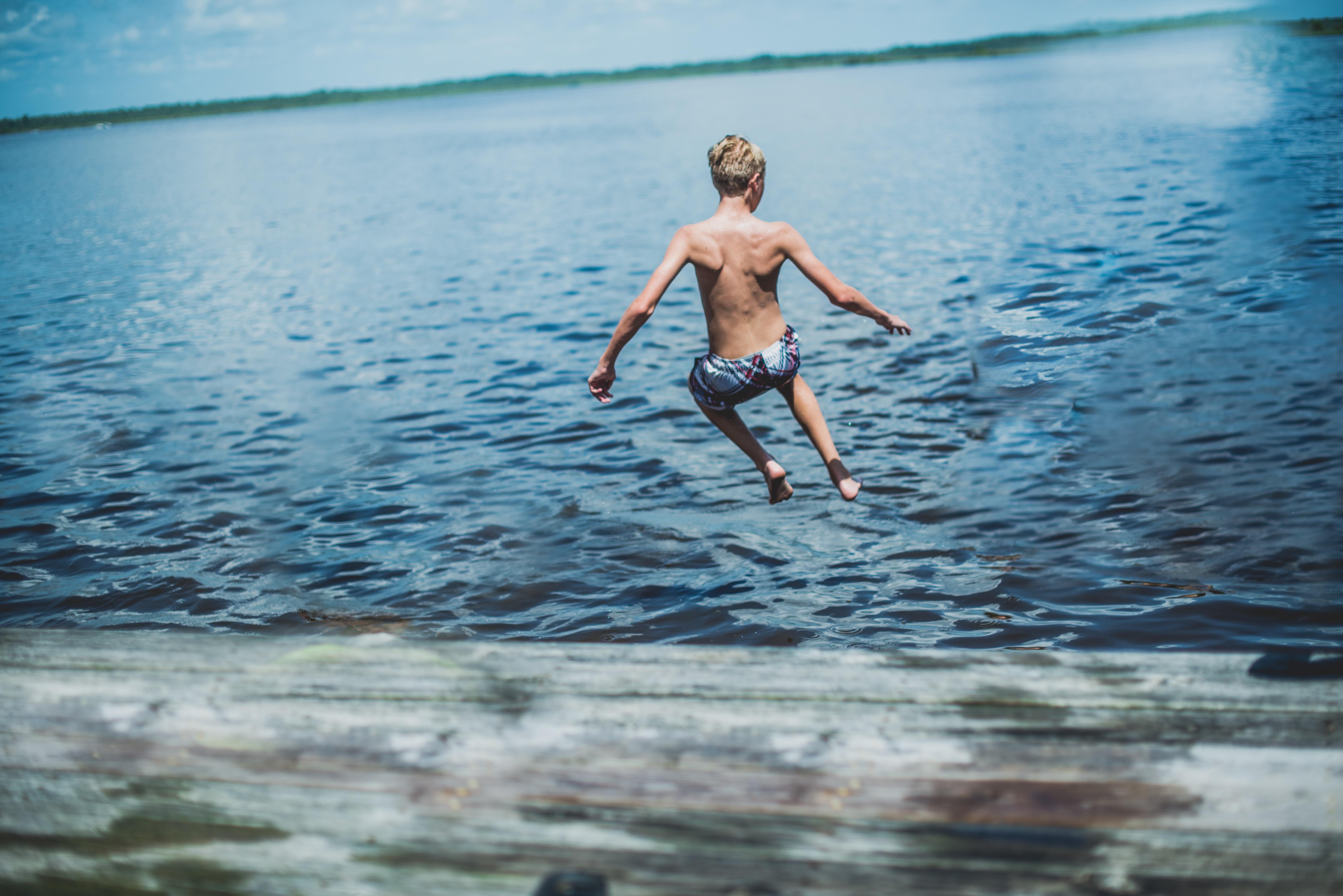 картинки лето купание в озере