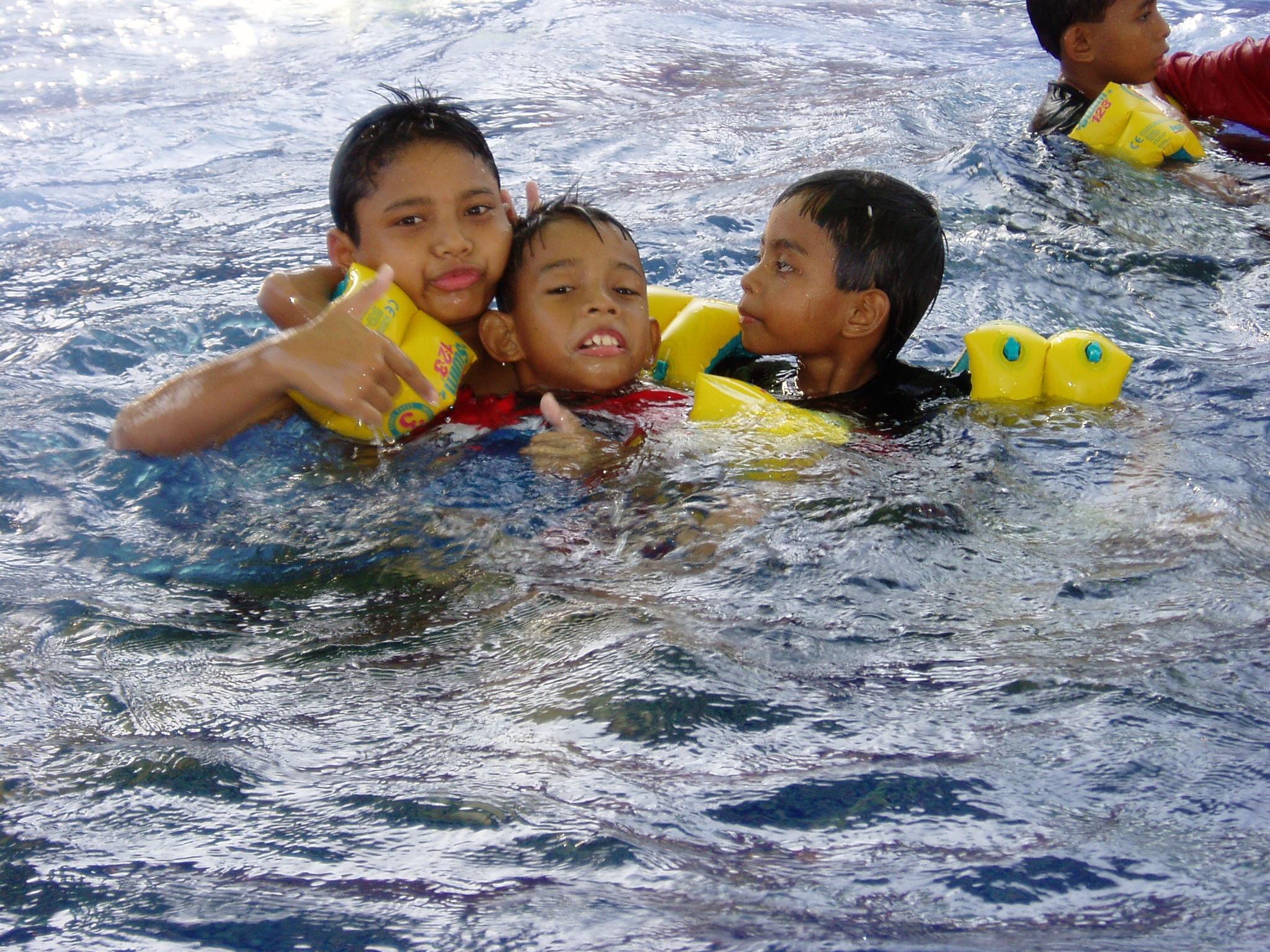 Pool fun play