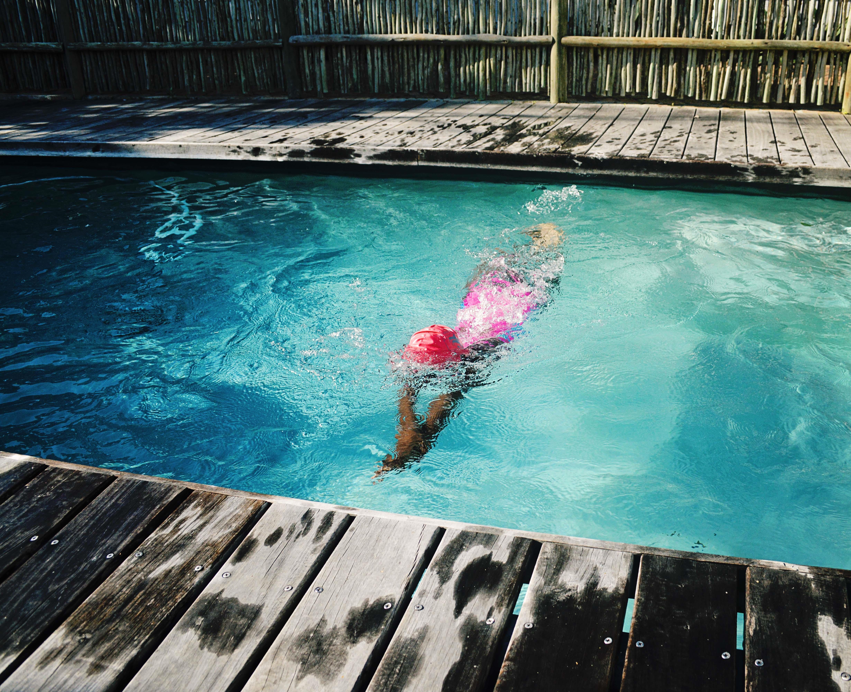 Images gratuites mer eau r flexion piscine bleu for Blue water parts piscine