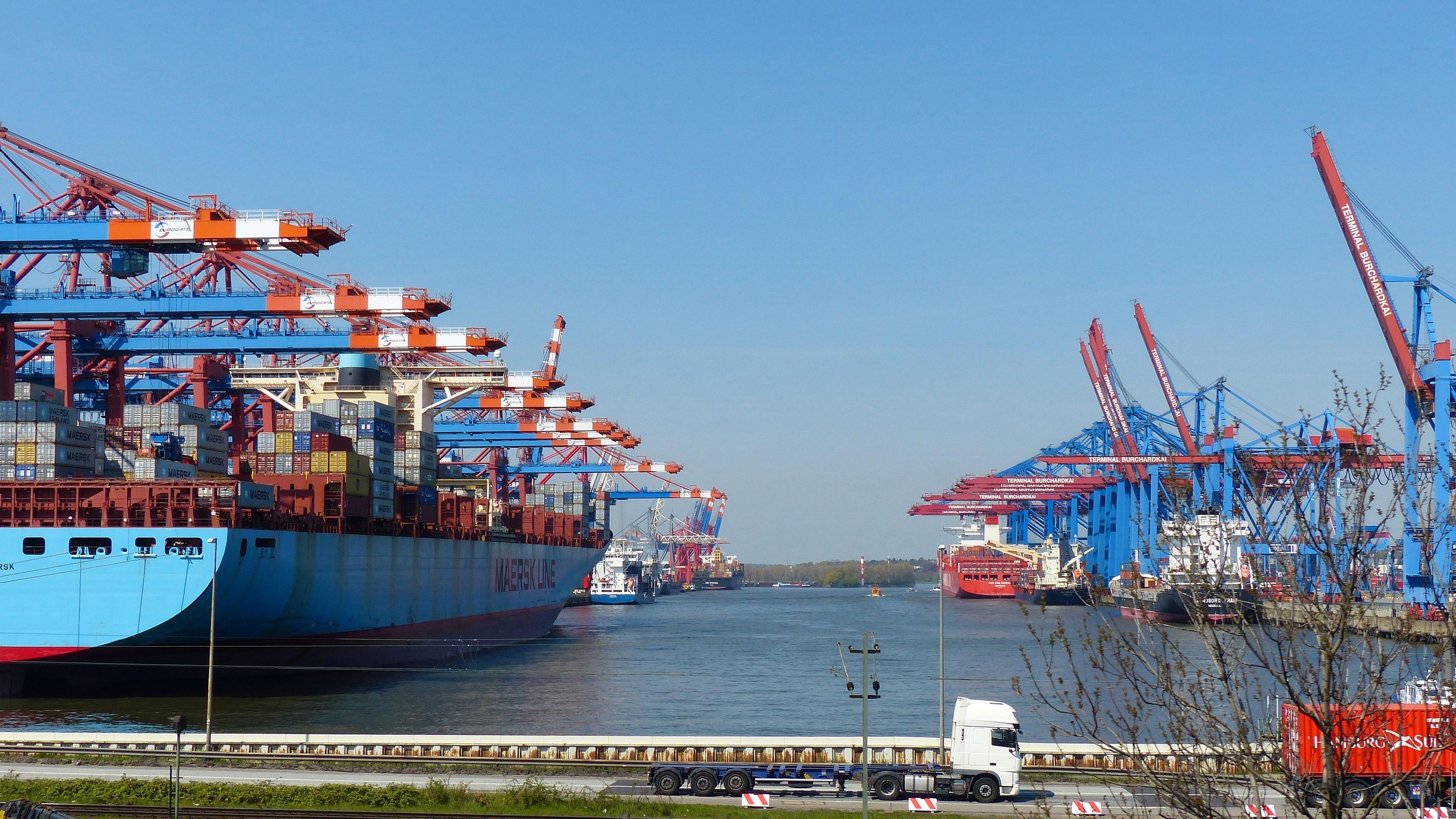 Harbor Freight Gantry Crane >> Free Images : sea, water, vehicle, harbor, waterway ...